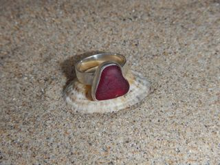 RE28 Eco-silver Sea Glass Ring Small Red Heart