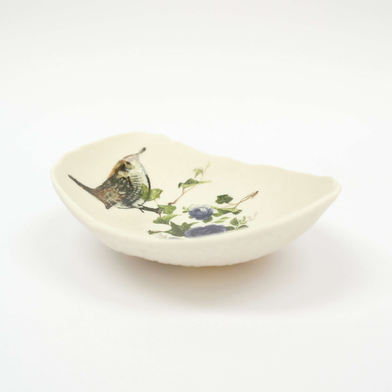 Ceramic Wren Bowl Lace Top (boxed)