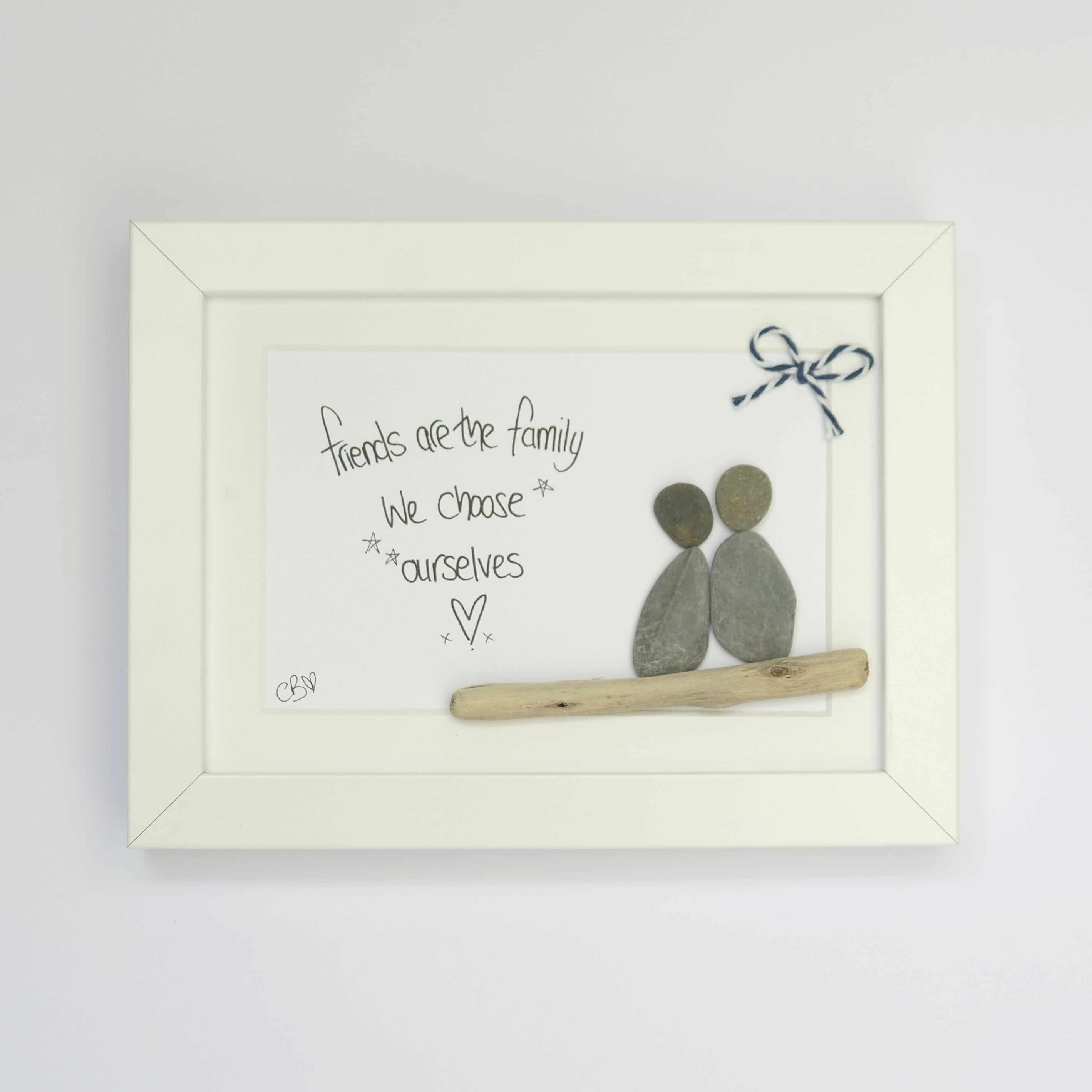 'Friends are the family we choose ourselves' Pebble Art and Driftwood Frame
