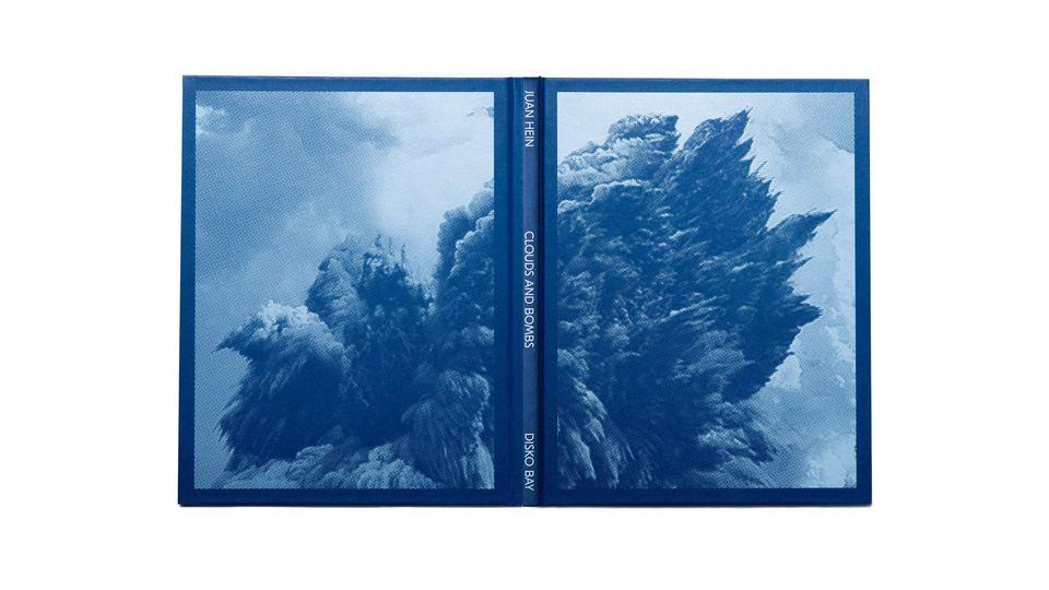 Boglancering: Clouds and Bombs af Juan Hein