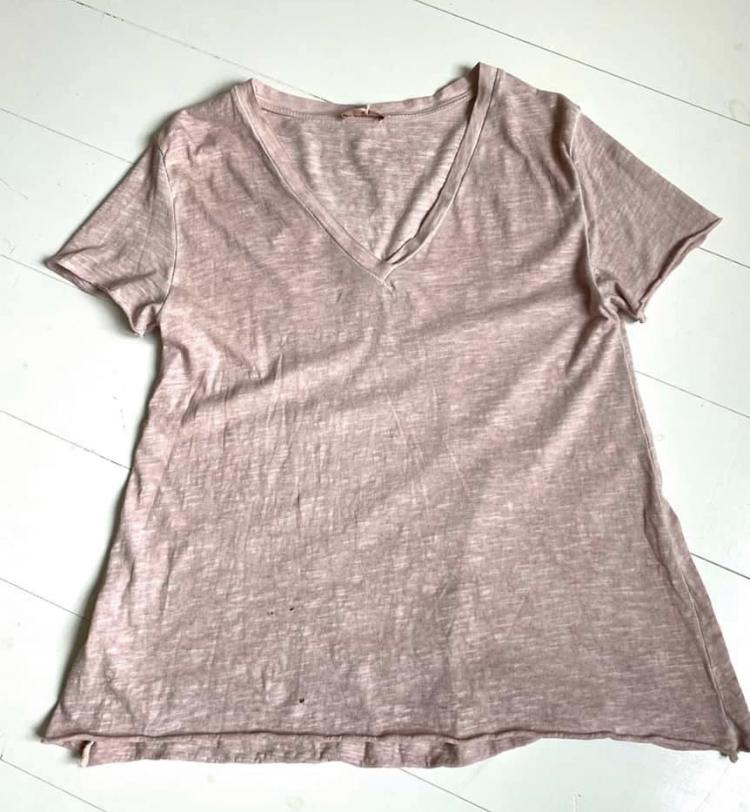 Rosa t-shirt REA