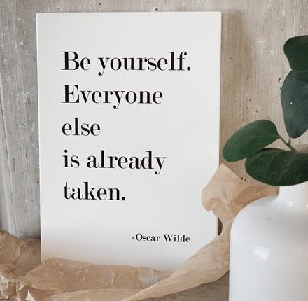 "Tavla ""Be yourself ..."""