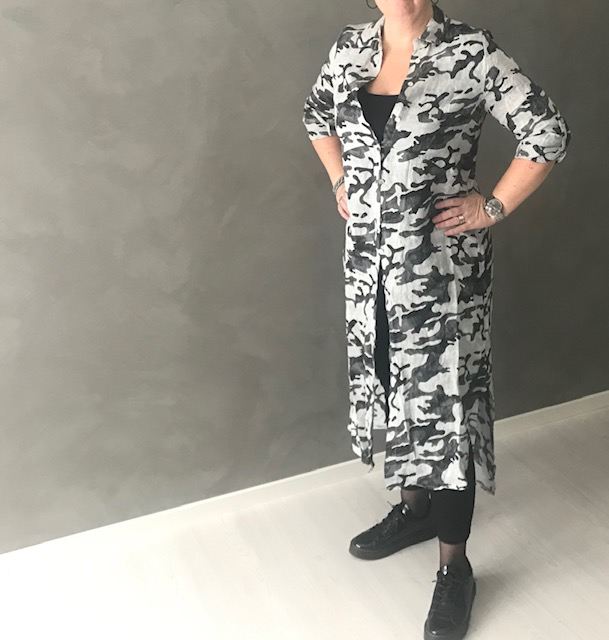 Linnekjorta/klänning camo vit/grå/svart REA