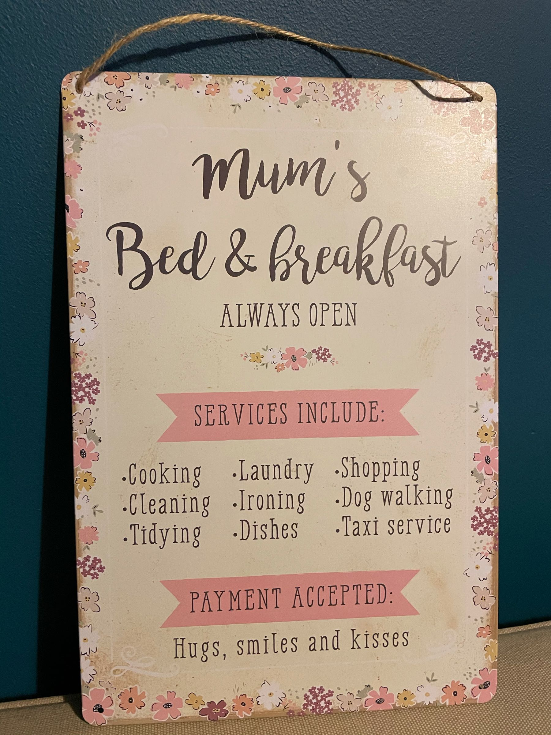 Mum's metal hanging sign
