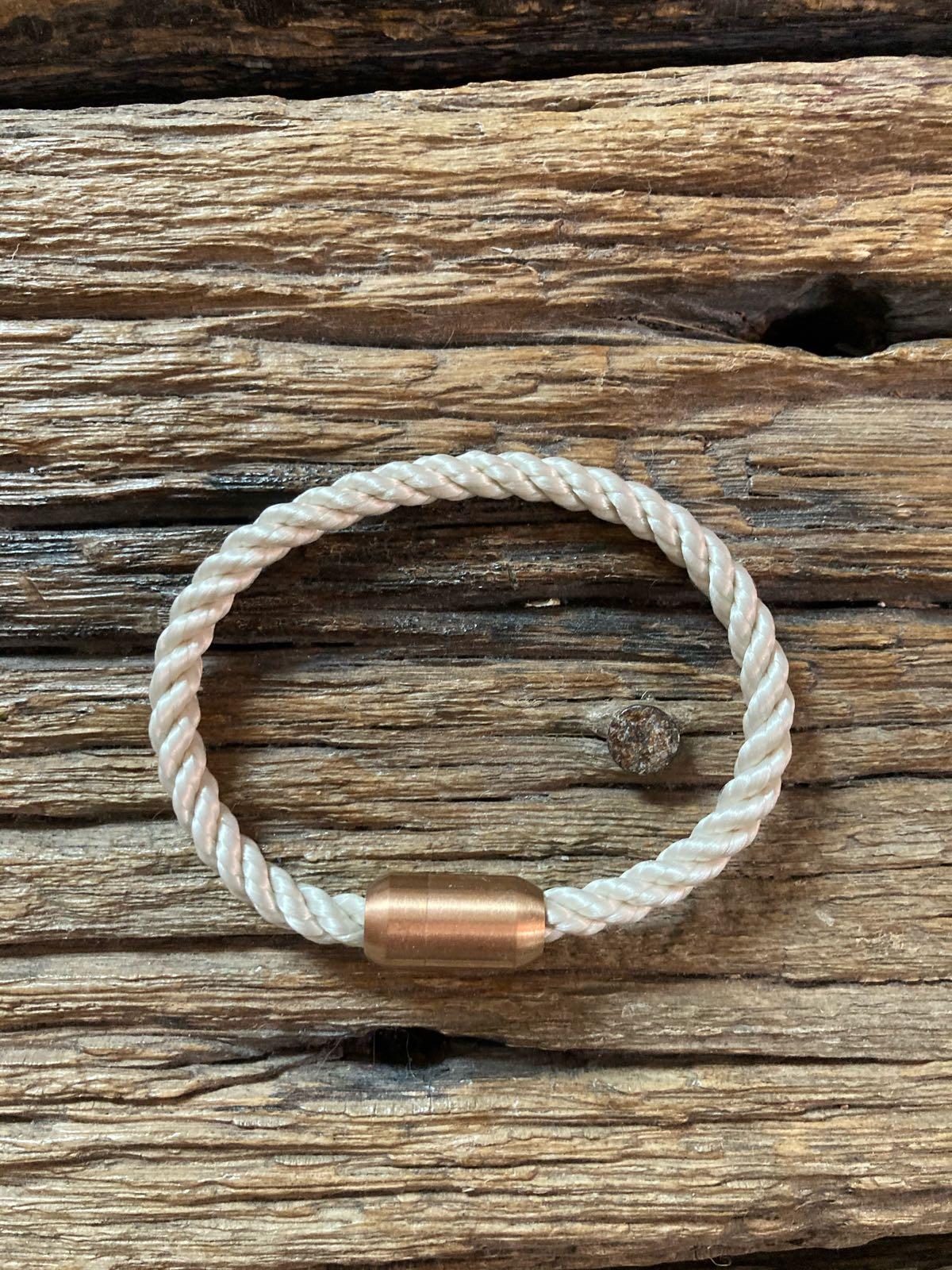 Fischereidesign - Armband Creme ,4mm rosé Edelstahlmagnetverschluss