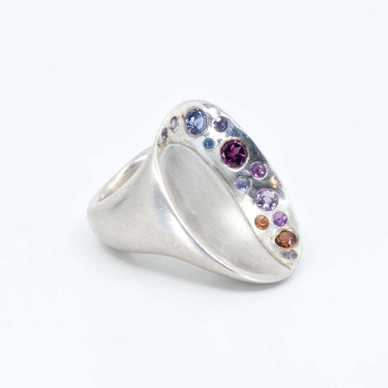 Ring | Saphir Regenbogen | Anina Caracas