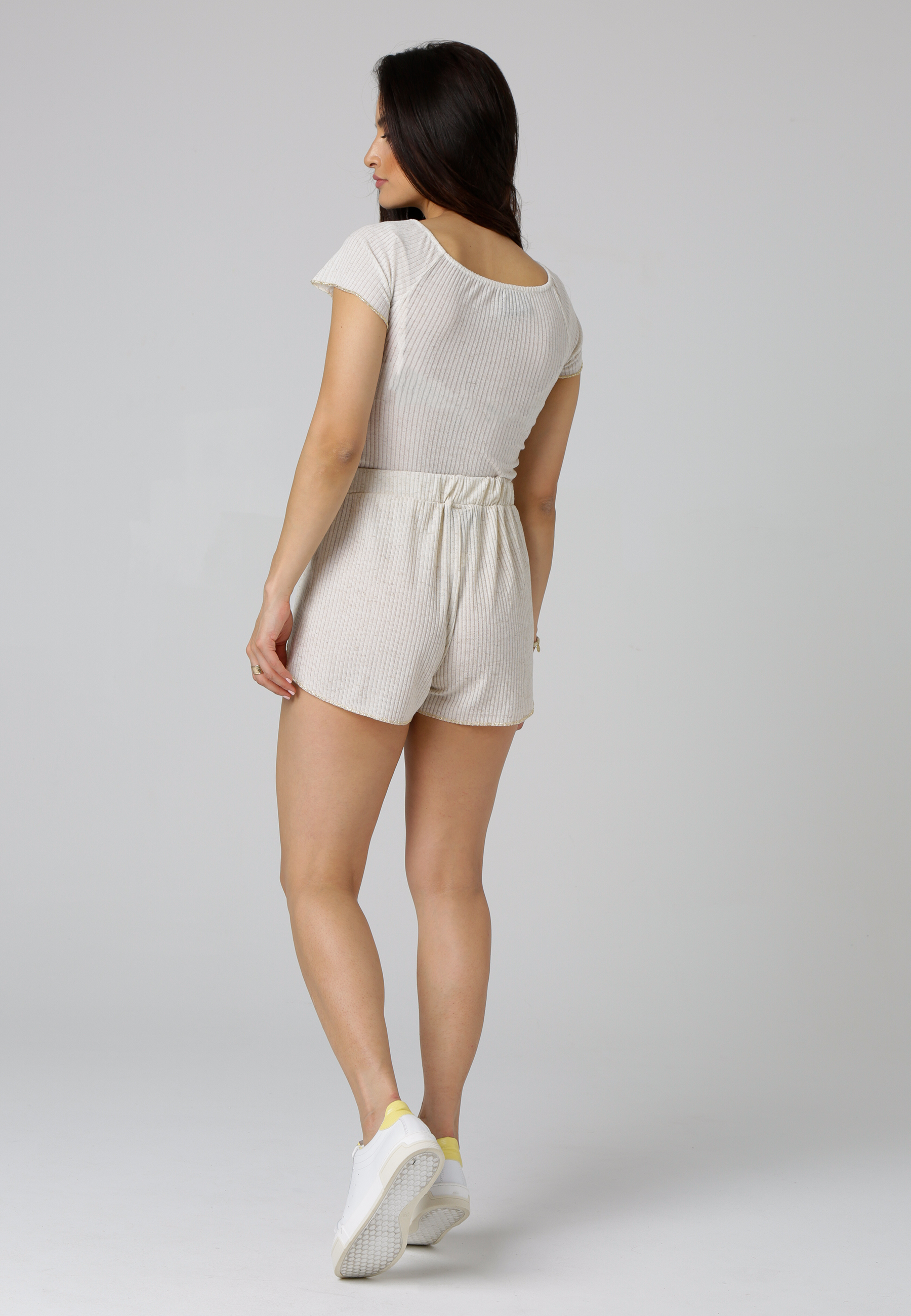 MiaZAYA Shorts Saumen gold