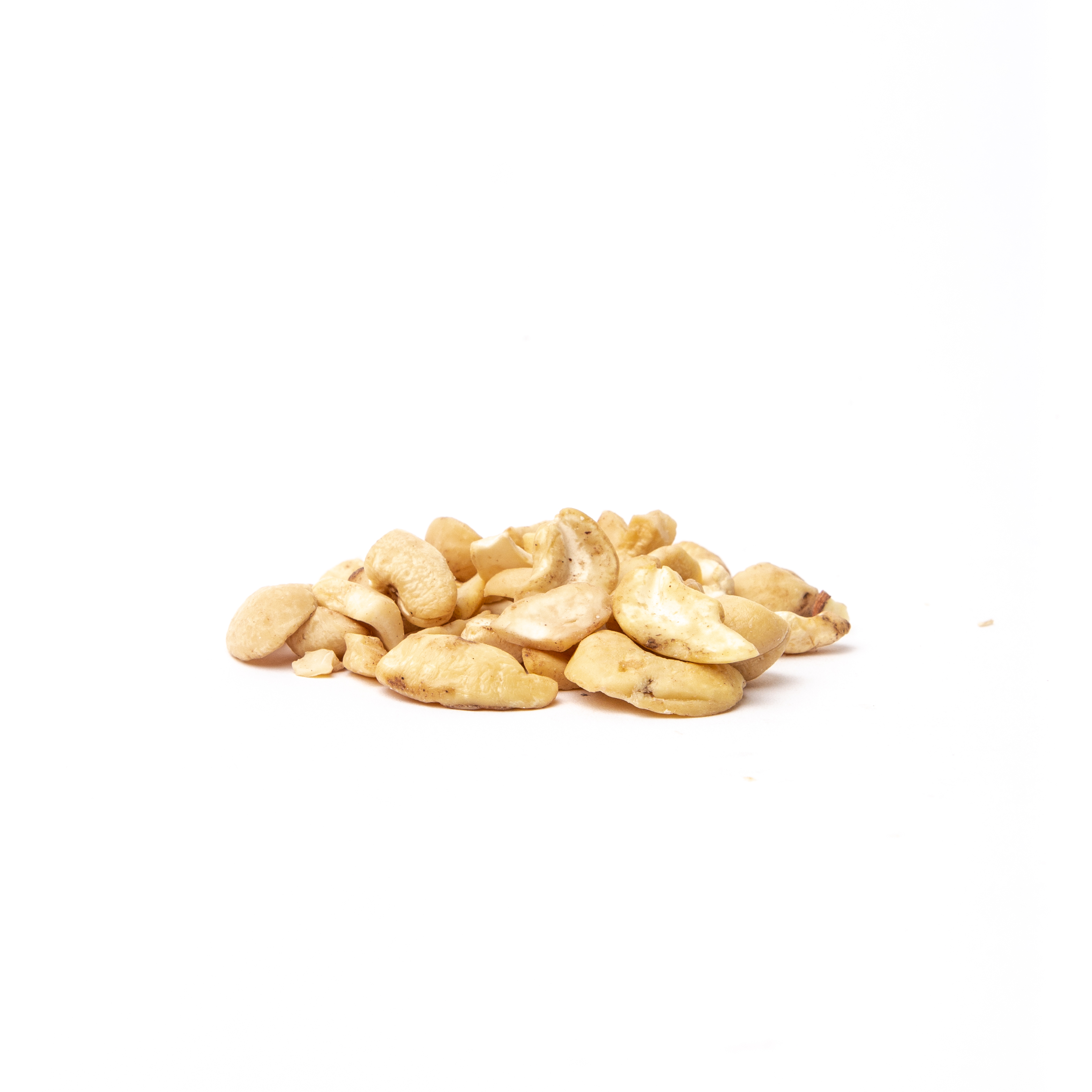 Cashews Nuts: Broken Pieces