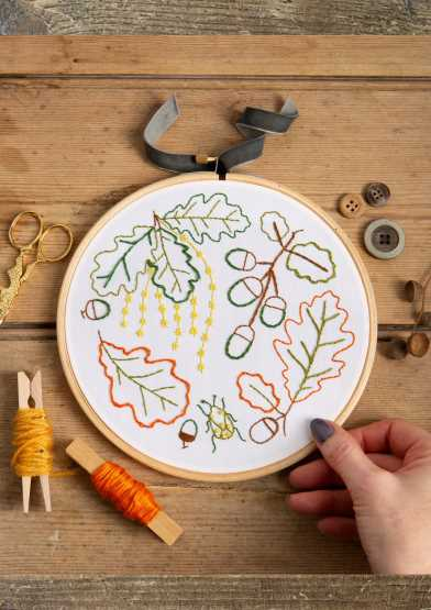 Ancient Oak - Hawthorn Hoop Embroidery Kit