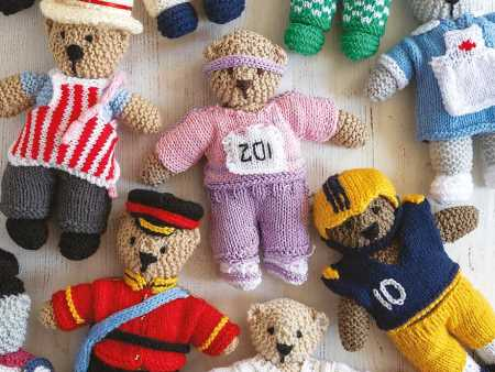 Twenty To Knit - Dressed Up Bears by Val Pierce