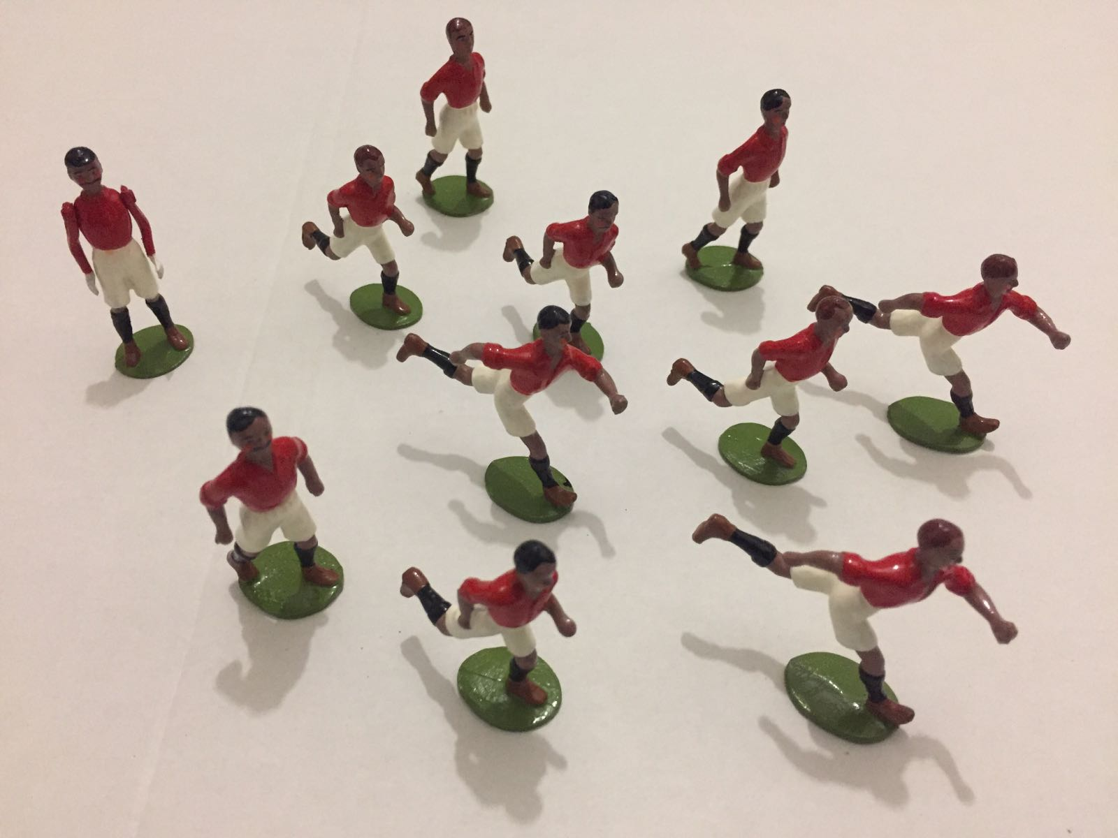 Football team. 10 players 1 Goal Keeper.  (Castings x 11 Figures)