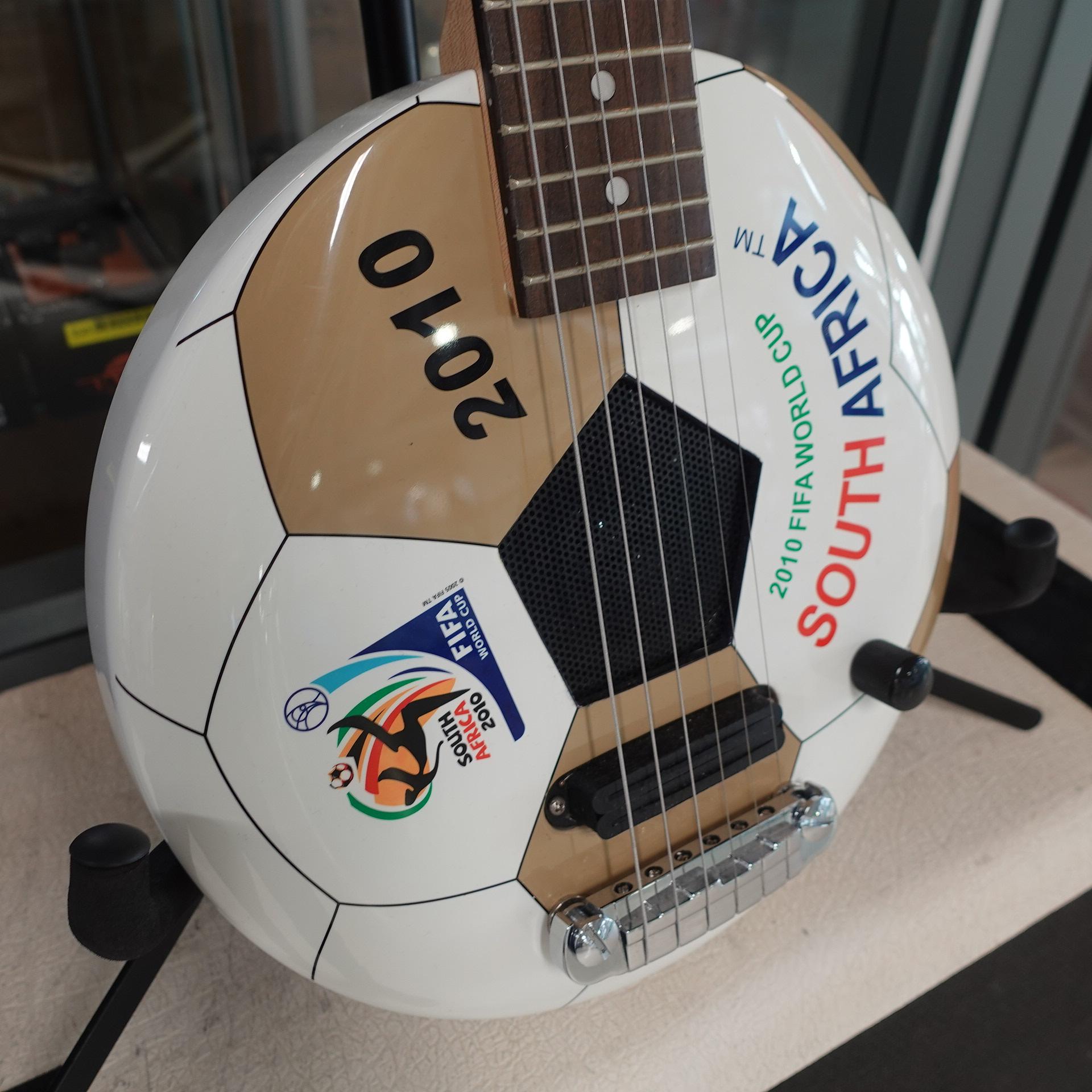 Aria World Cup Travel Guitar (internal speaker)