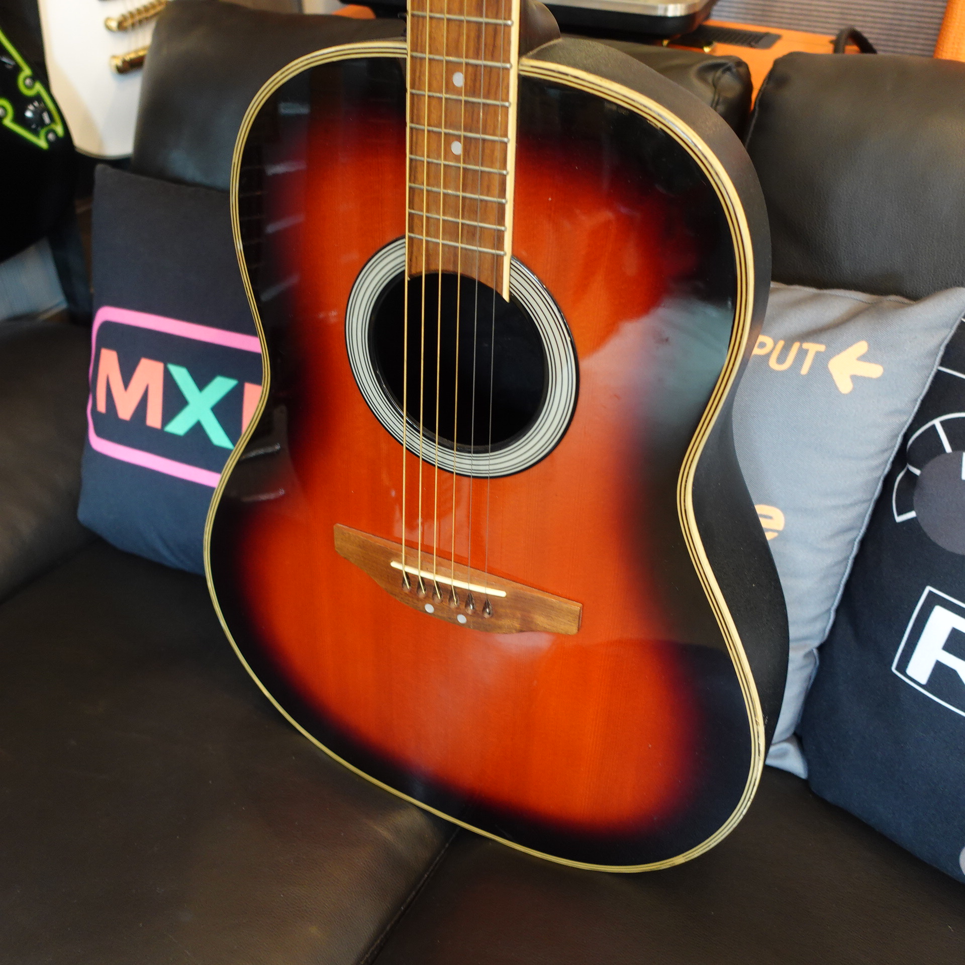 Applause by Ovation Summit AE21 electro-acoustic