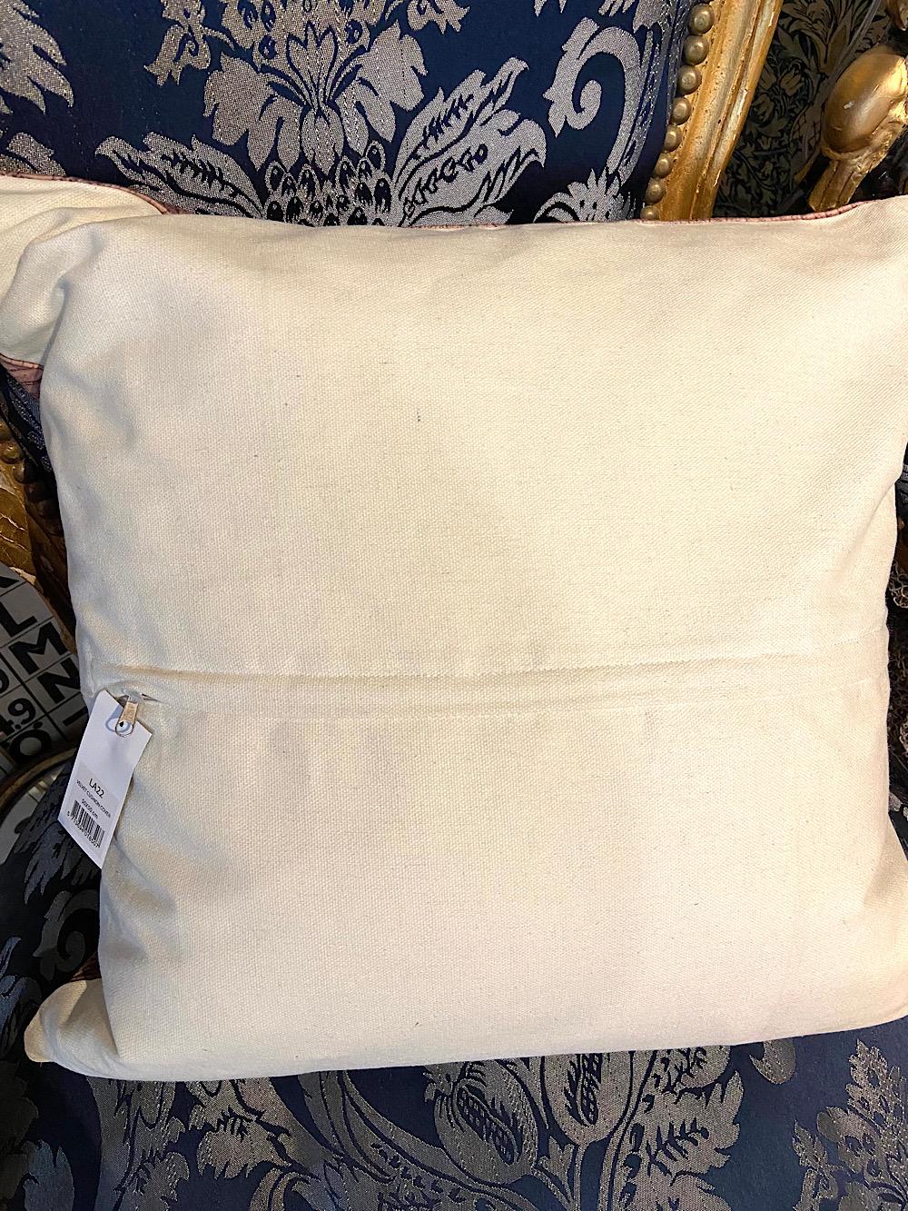 Vanilla Fly tyynynpäällinen Pelikaani