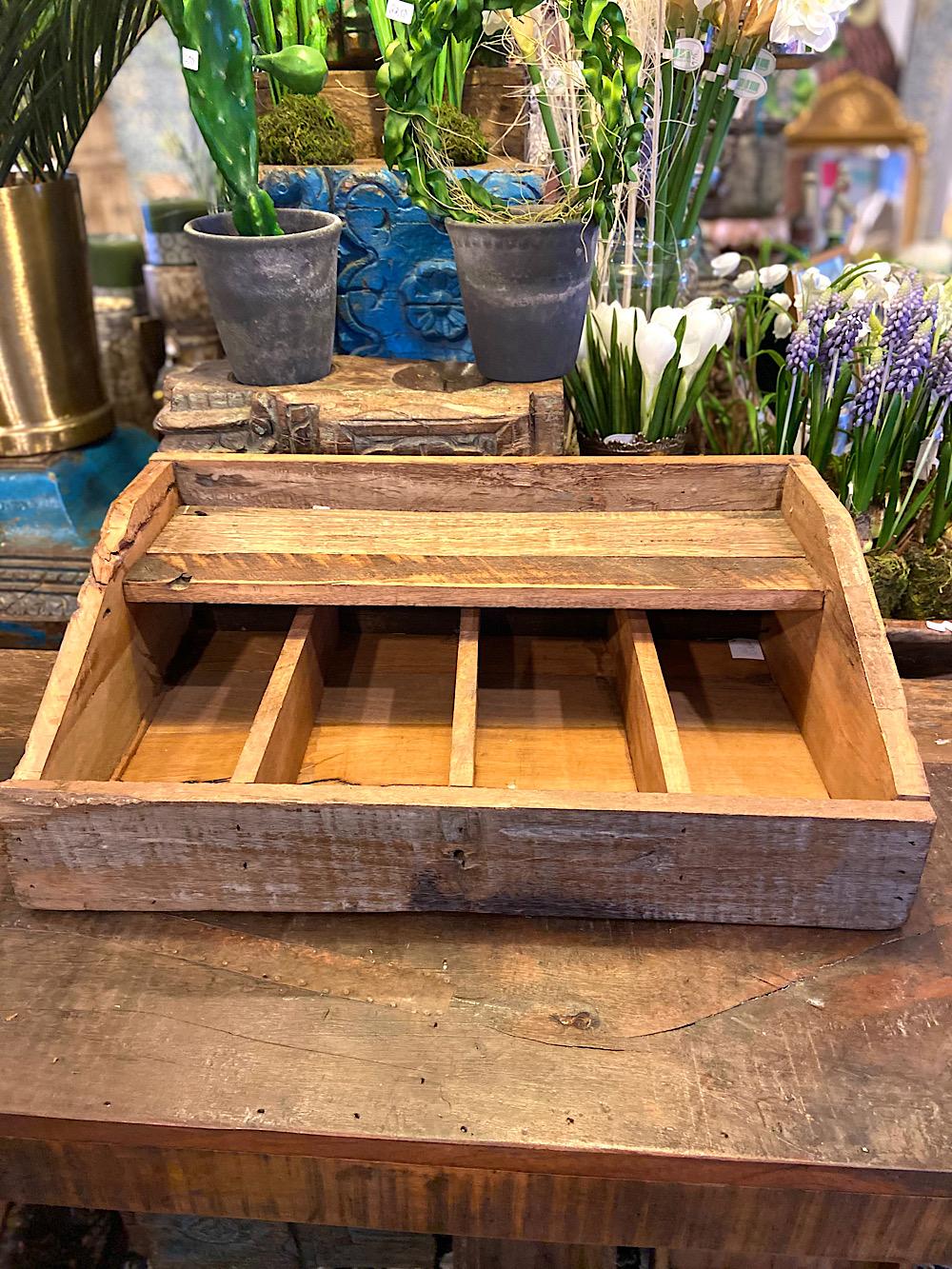 JDL puinen lokerikko