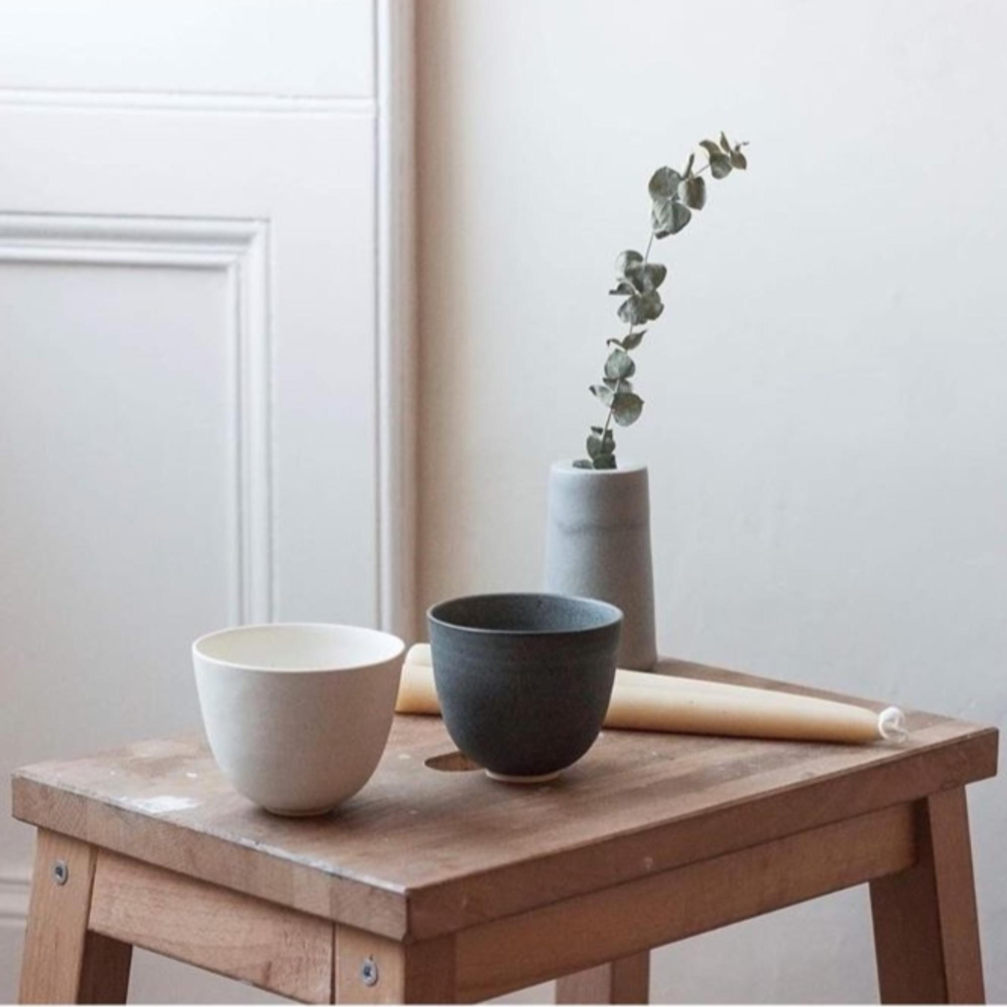 Cups and Beakers by Borja Moronta