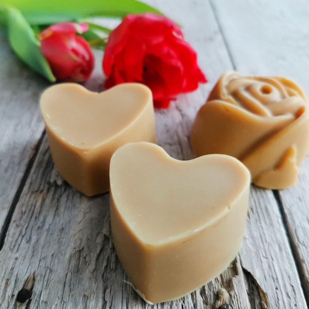 Vuohenmaito-laventelisaippua, sydän ja ruusu