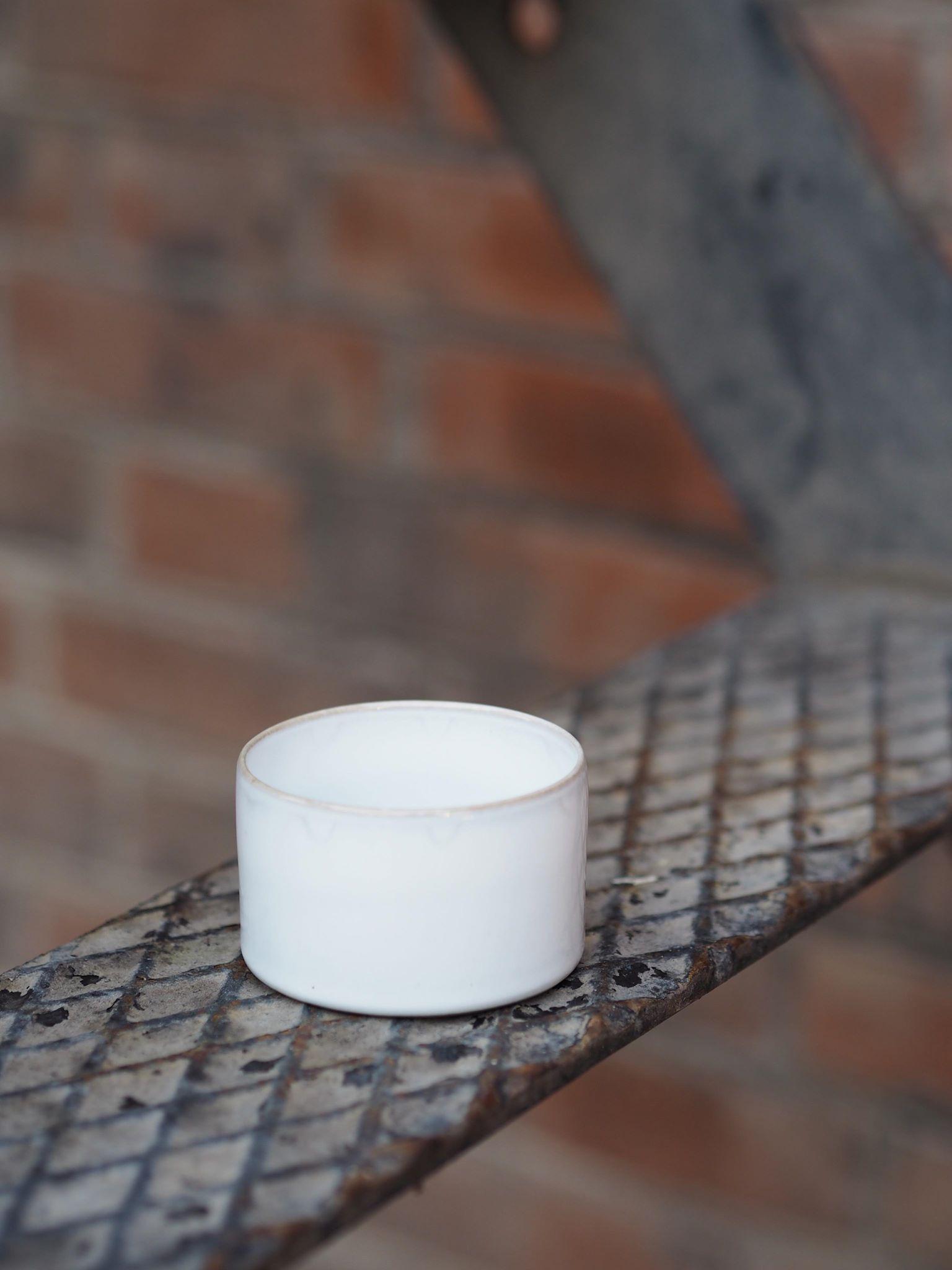 Grå/hvit lav kopp av Anita Legrelle, SERAX