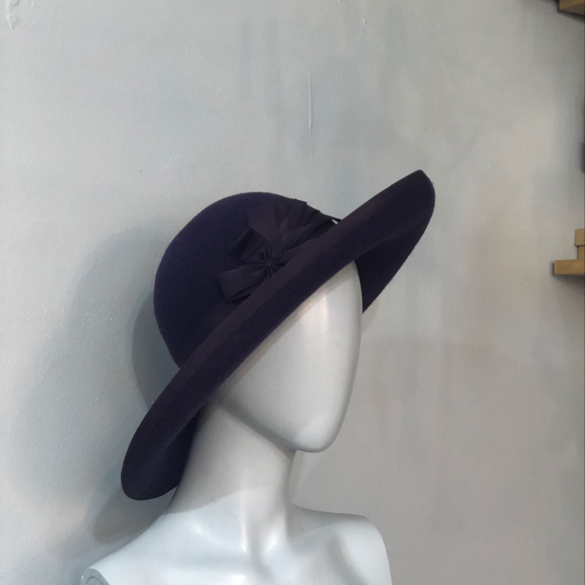Purple wide brimmed with coquades