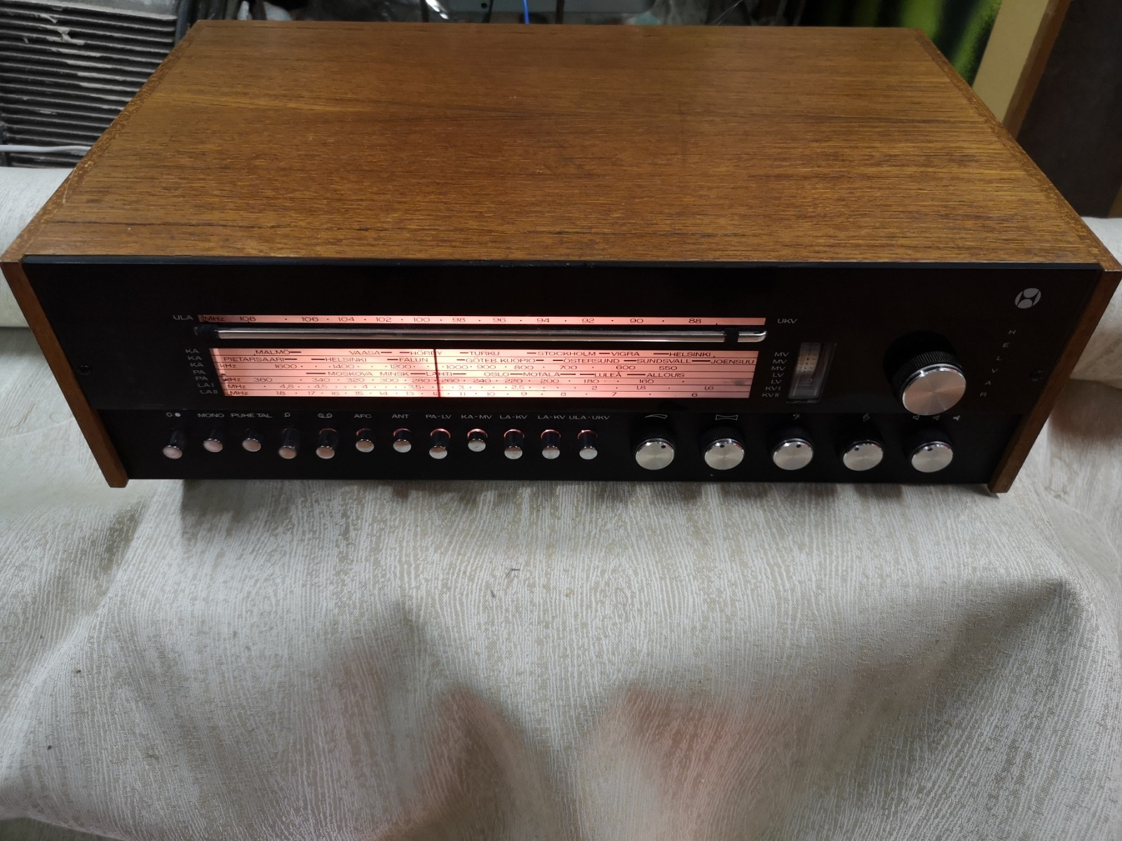 Helvar stereomatic retroradio