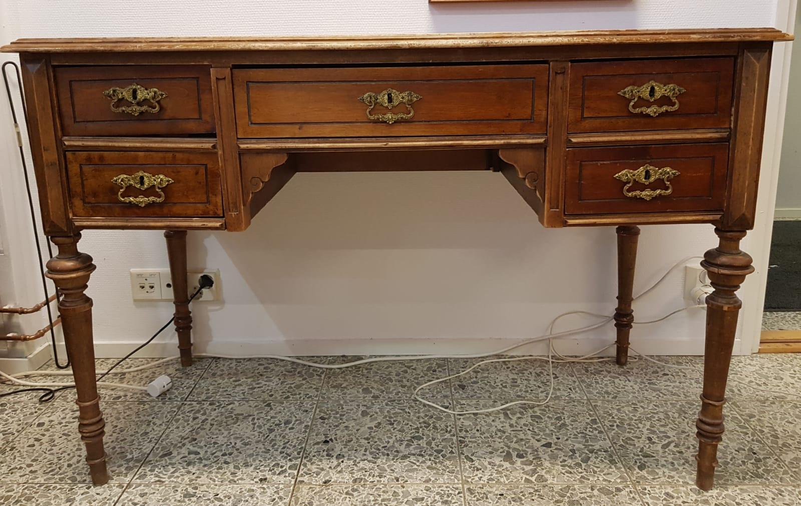 Antiikki kirjoituspöytä