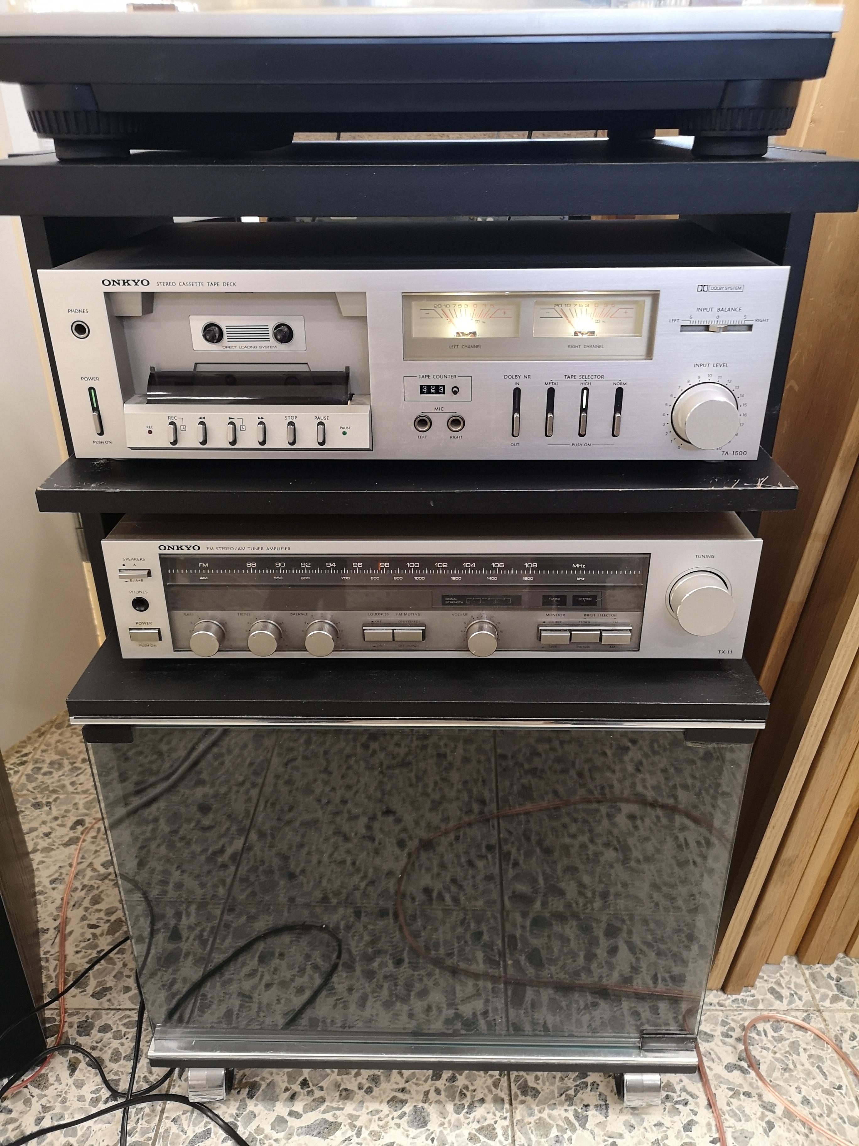Onkyo stereot ja räkki