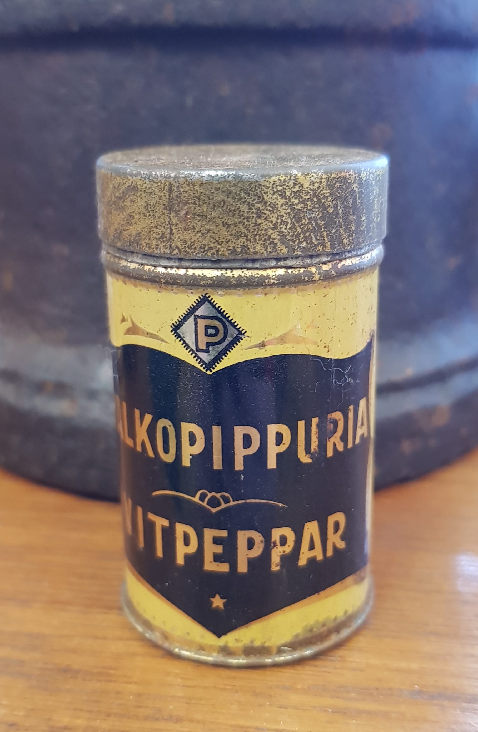 Vanha peltinen maustepurkki, Paulig, valkopippuri