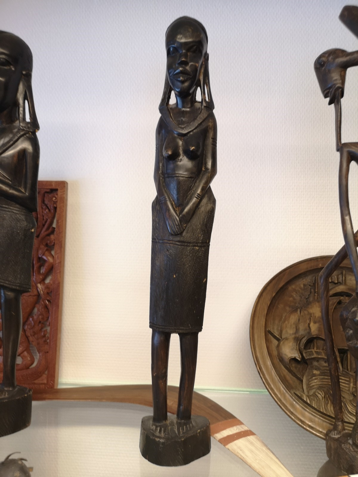 Afrikkalainen naisveistos