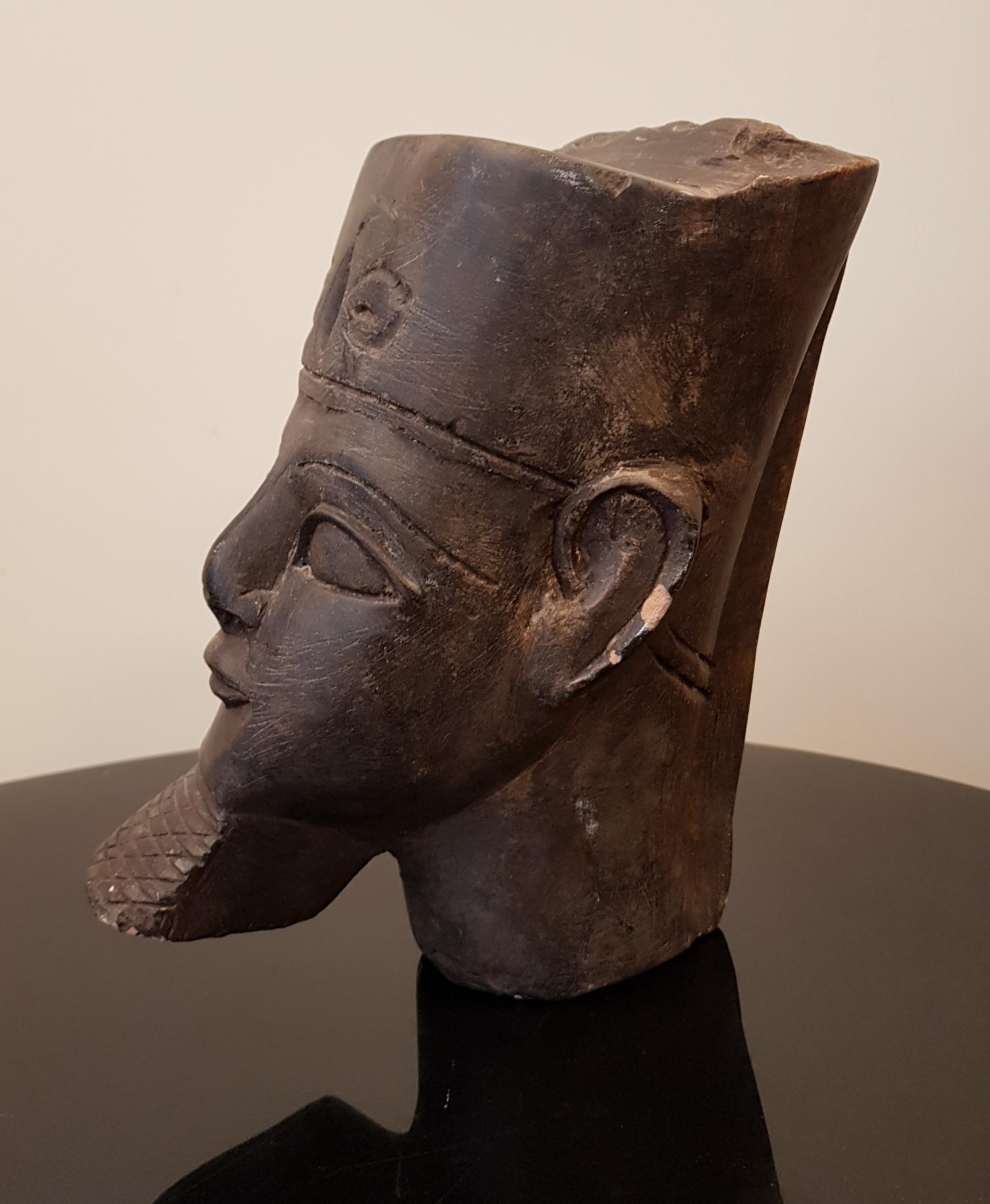 Egyptiläinen kiviveistos