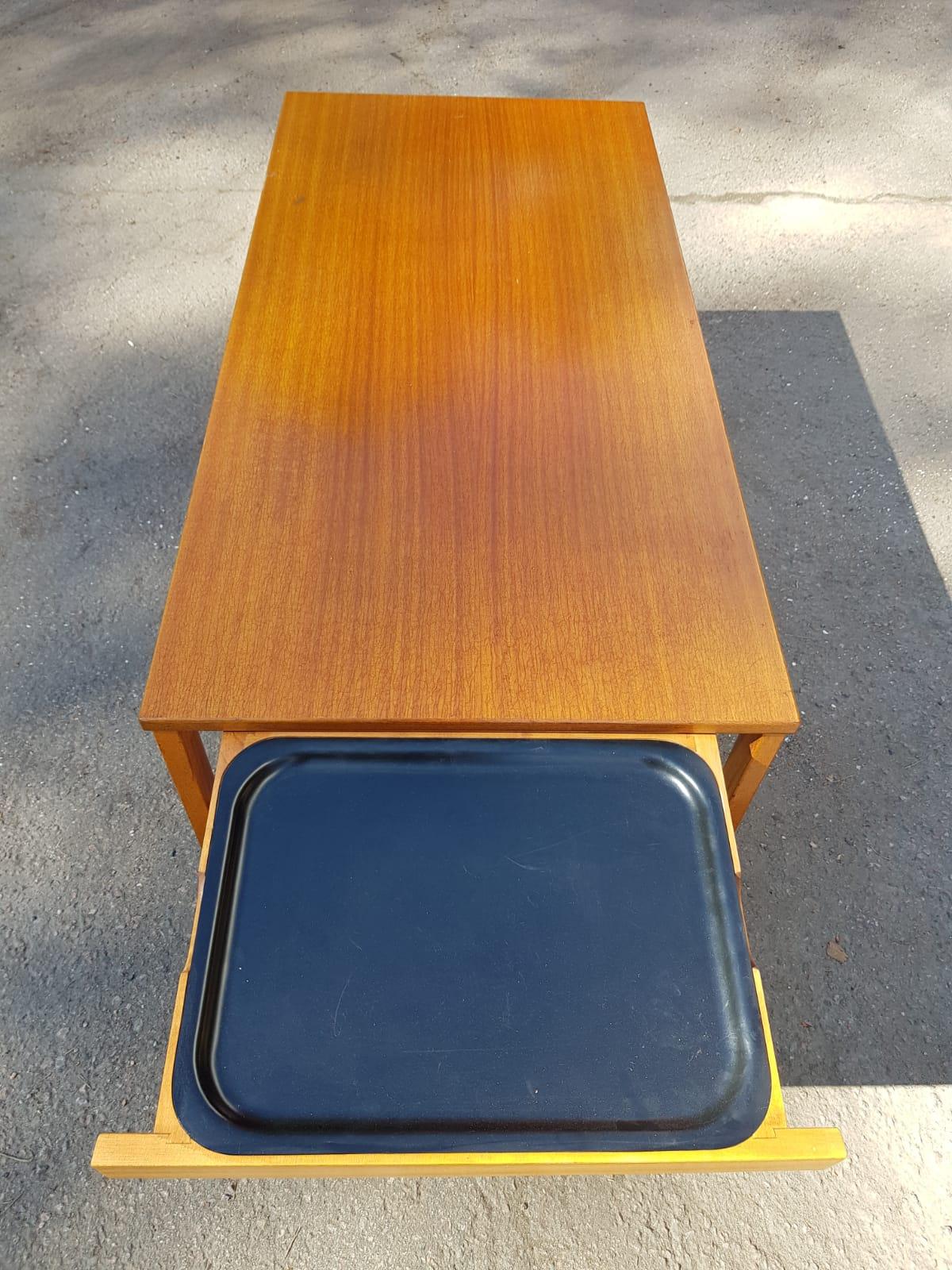 Kaunis tiikkinen vintage sohvapöytä