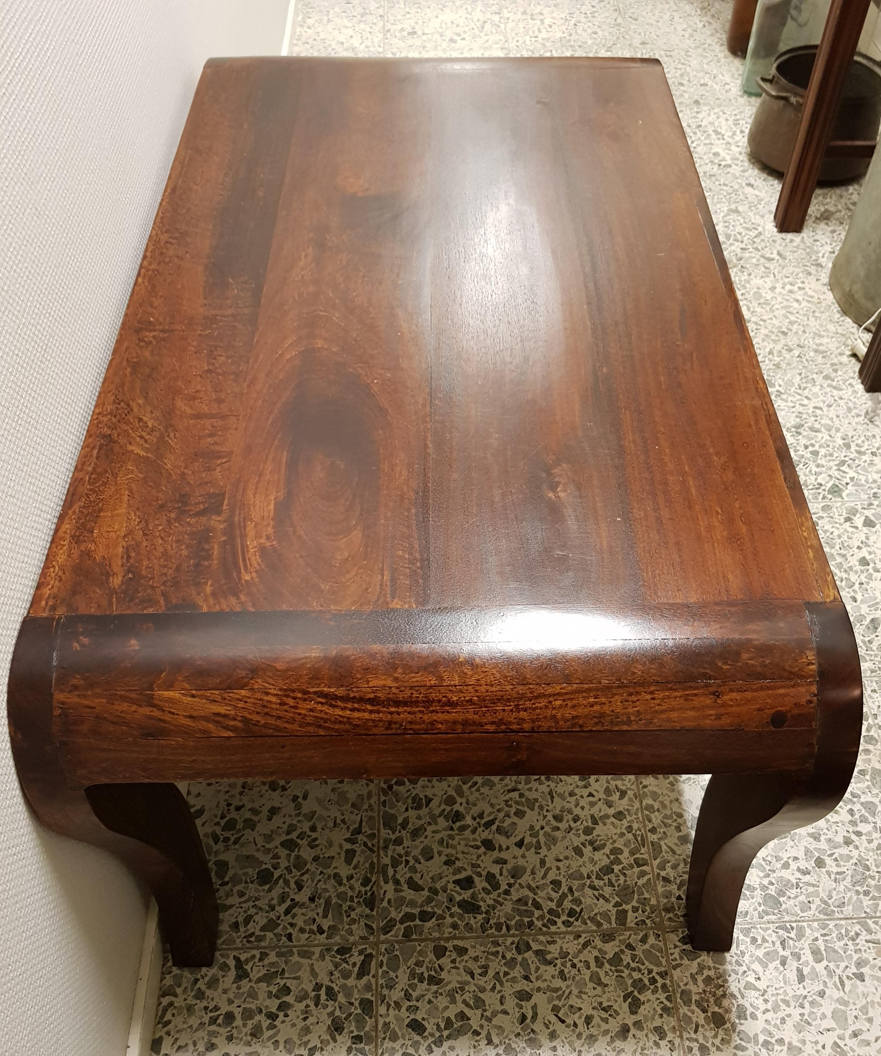 Itämainen sohvapöytä