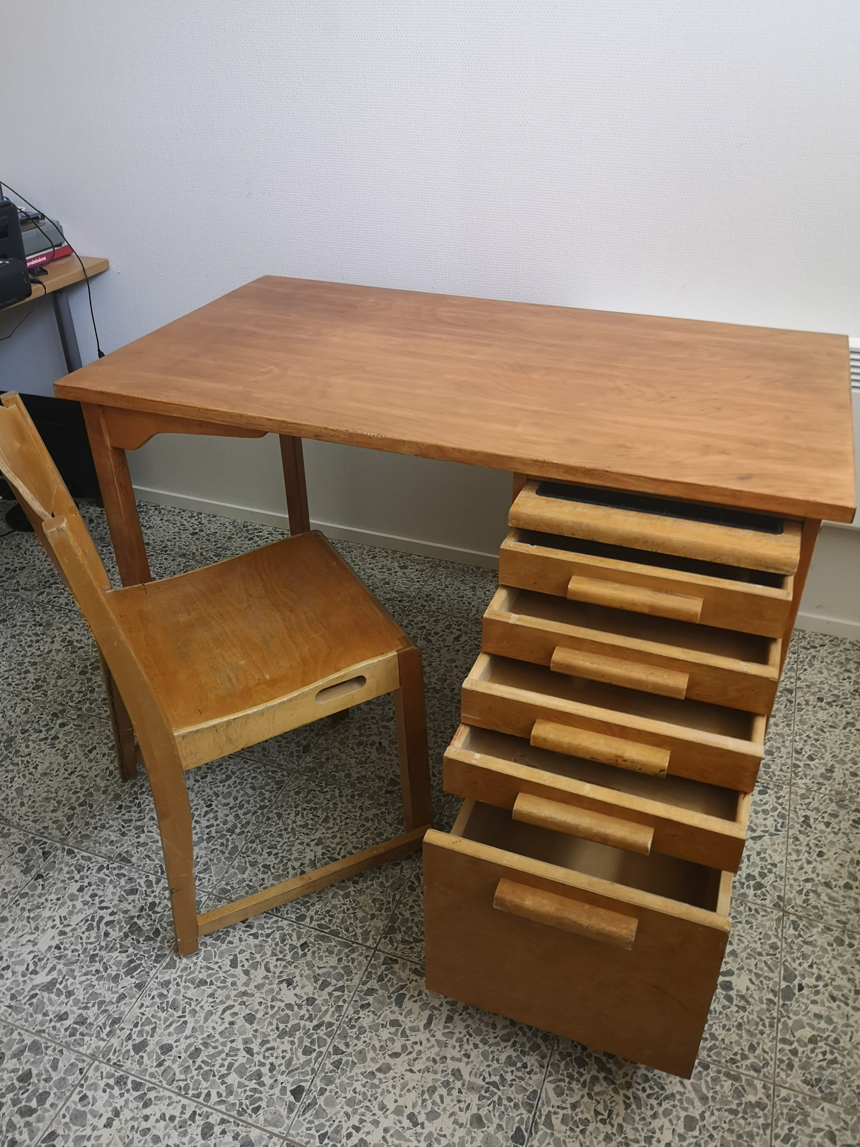 Billnäs työpöytä ja tuoli 2