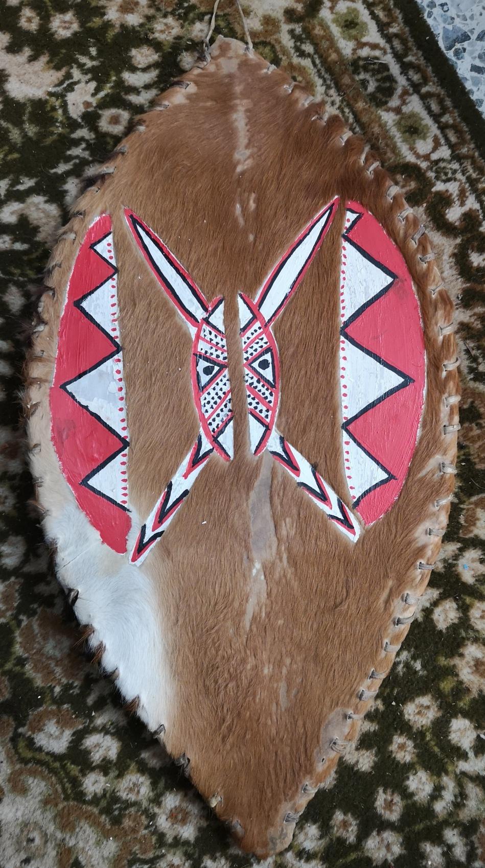 Afrikkalainen Masaisoturin pieni kilpi