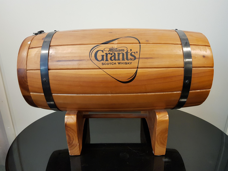 Viskipullon säilytystynnyri, Grant's