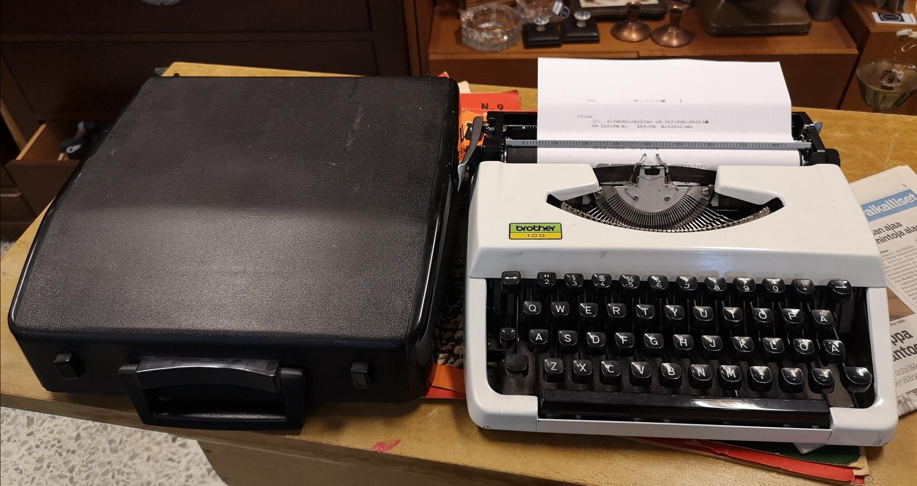 Kirjoituskone Brother 100