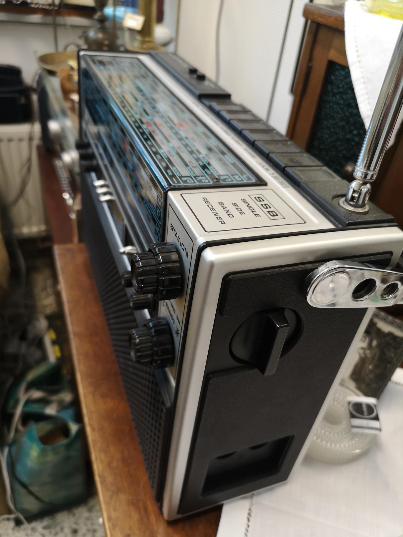 Nordmende Globetrotter 808 radio