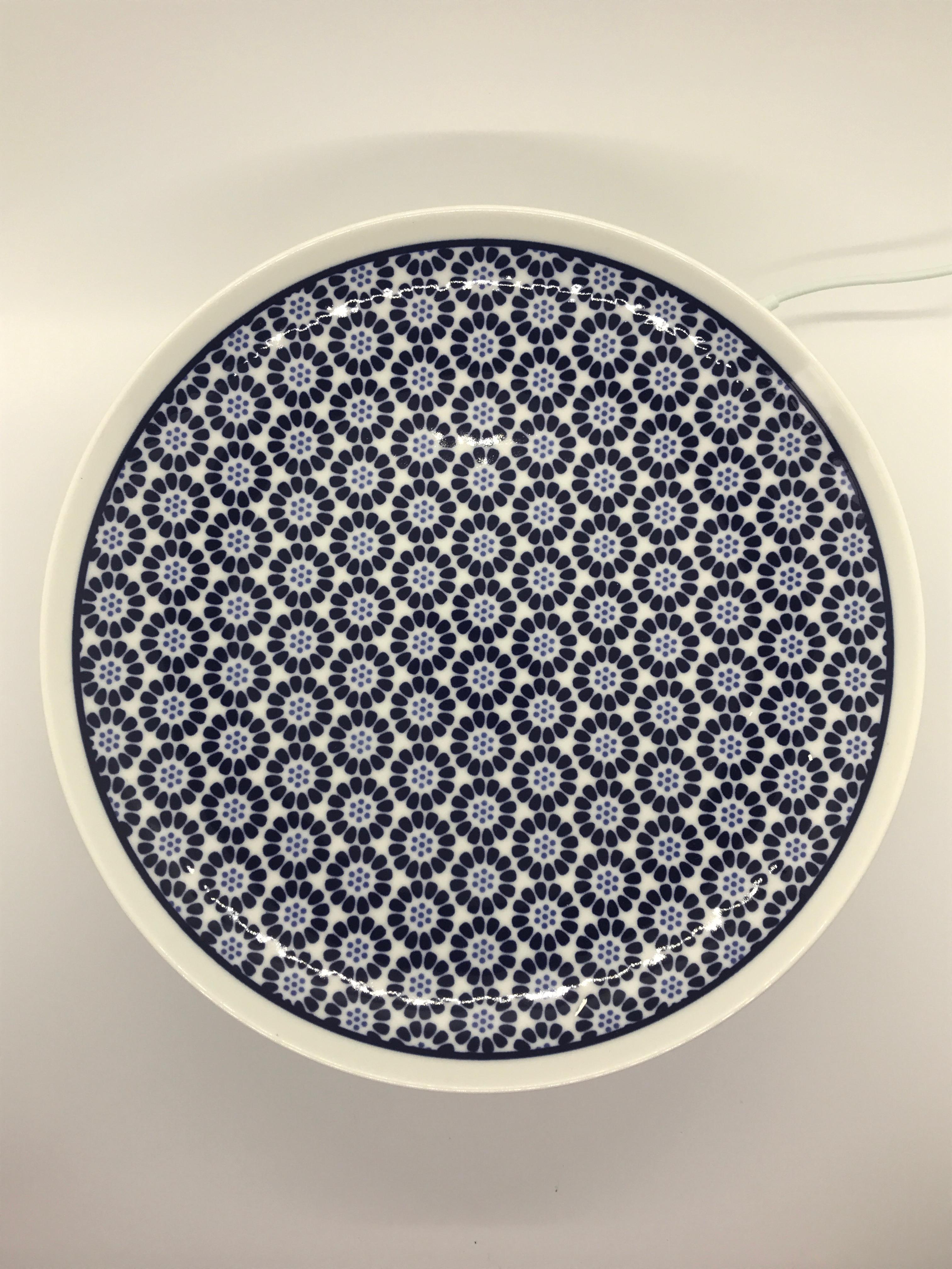 KIHARA Komon Large dish with small chrysanthemum design
