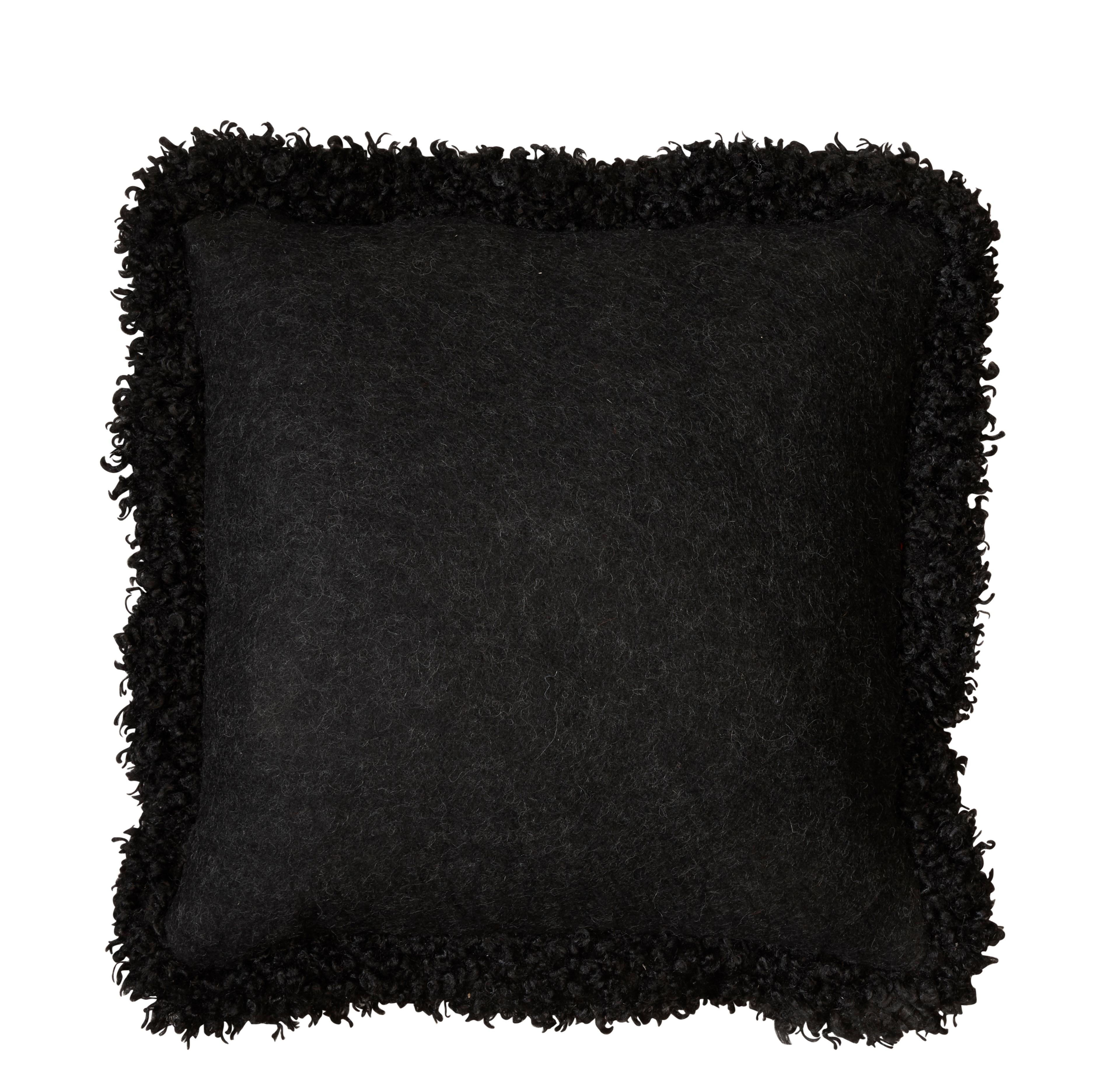 Kudde ullis svart