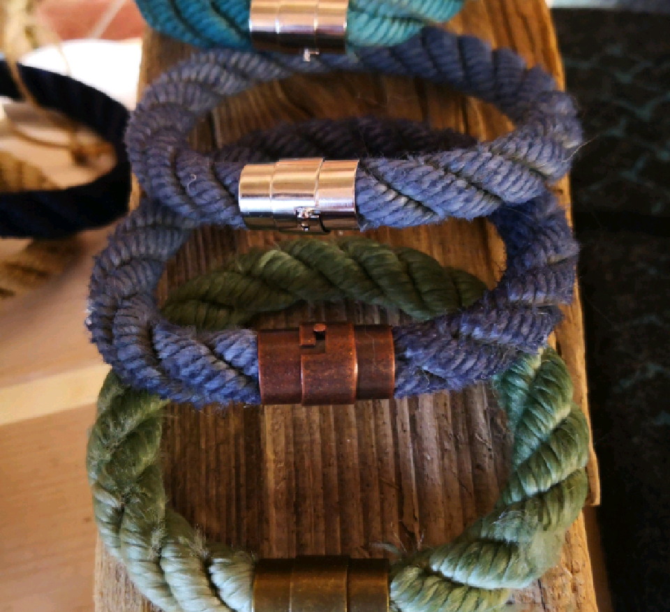 Fischereidesign - Armband 10 mm, gefärbt, Bajonettmetallverschluss