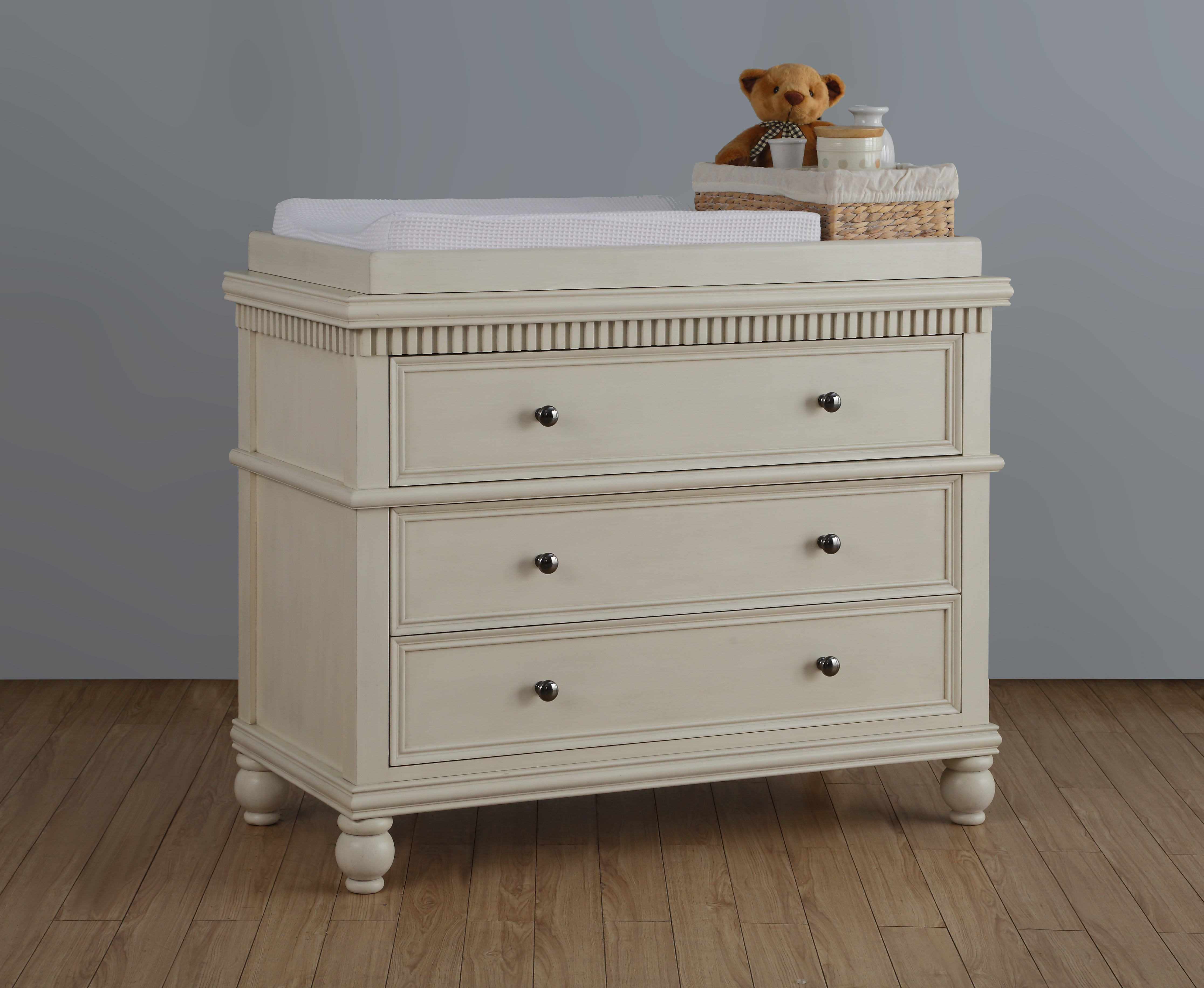 TeddyOne - Devon Dresser