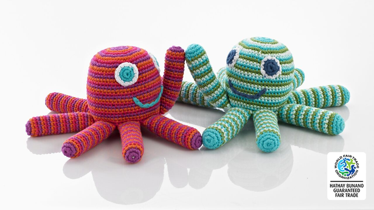 Pebble-Crochet Octopus Rattle pink