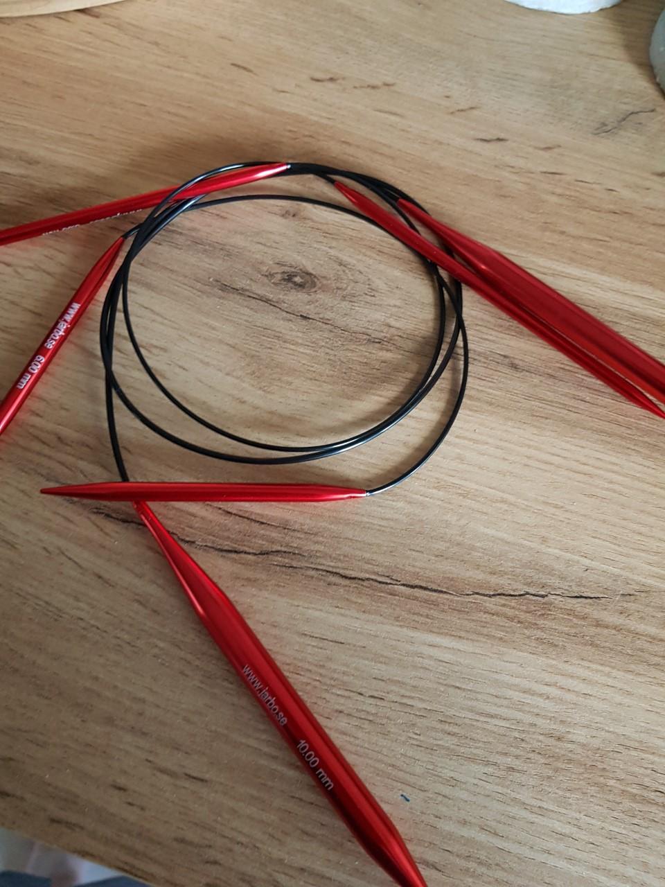 Röd rundstickor 60 cm