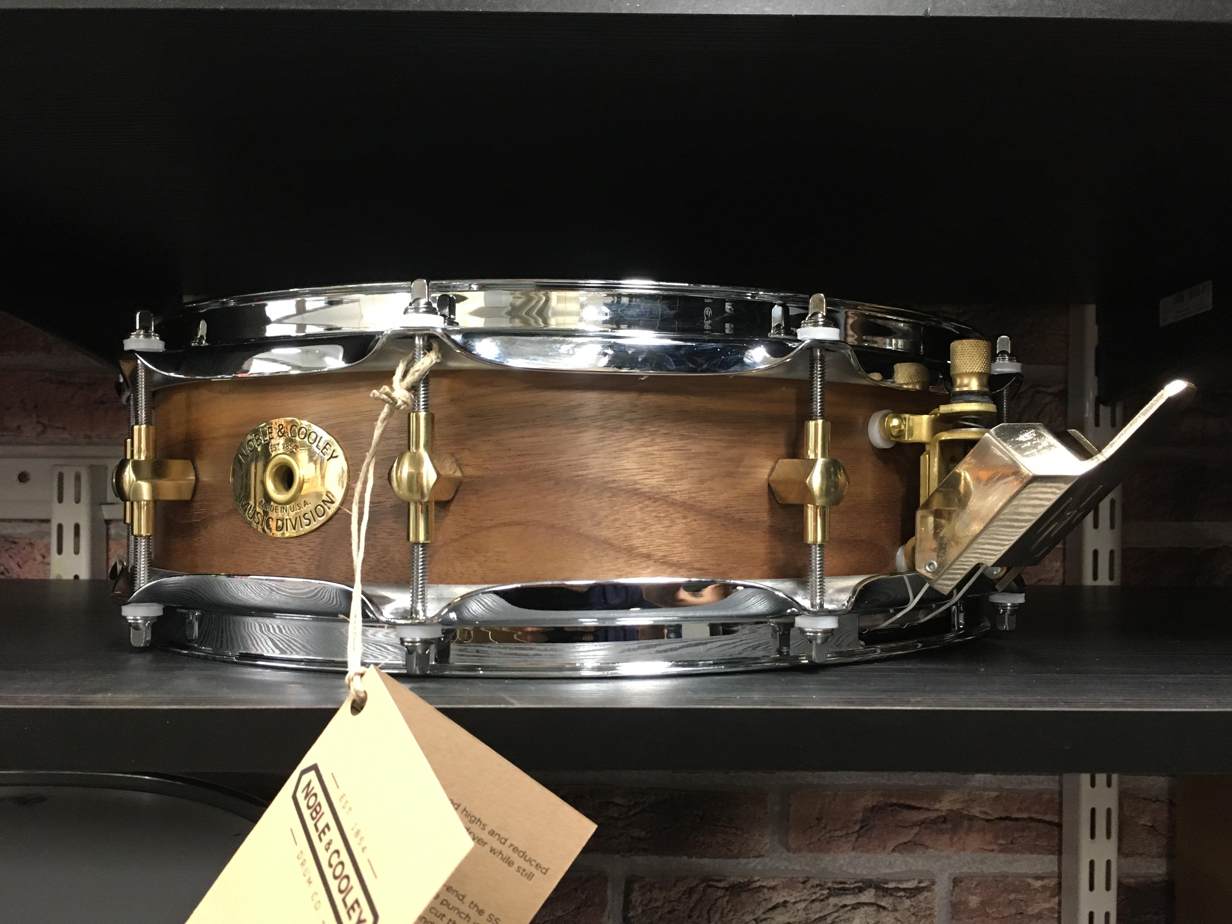 """Noble & Cooley Classic Walnut Piccolo Snare 3.875"""" x 14"""""""