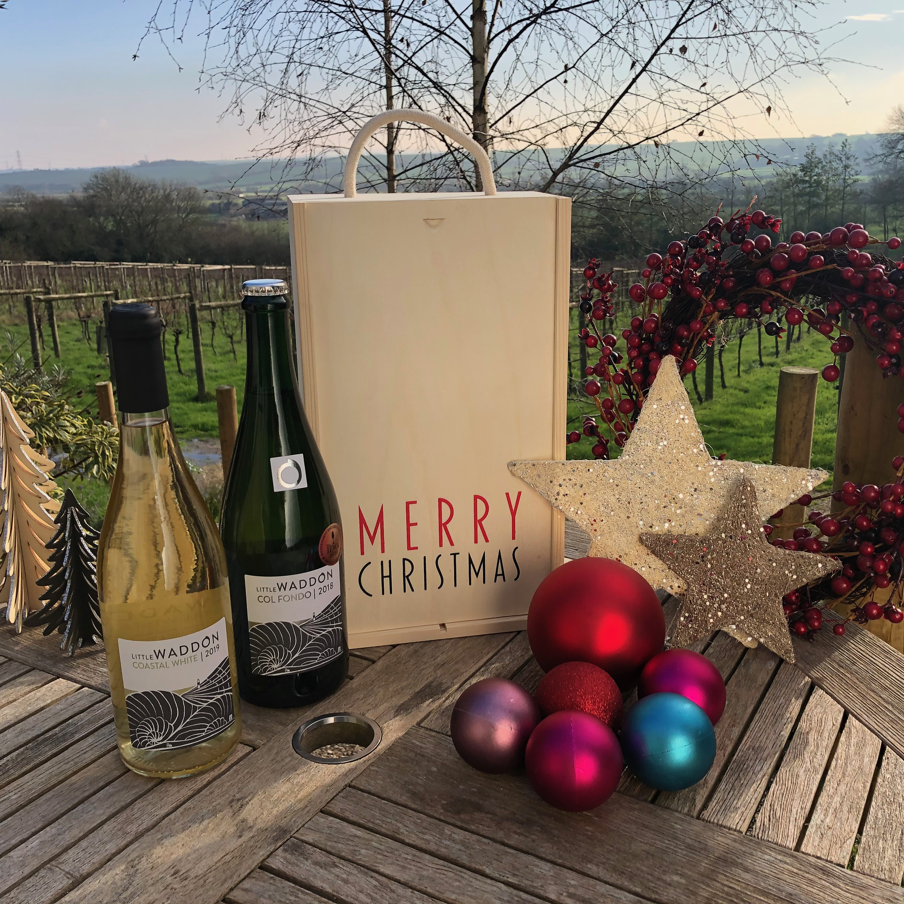 White & Bubbly Christmas Special - Wine & Gift Box