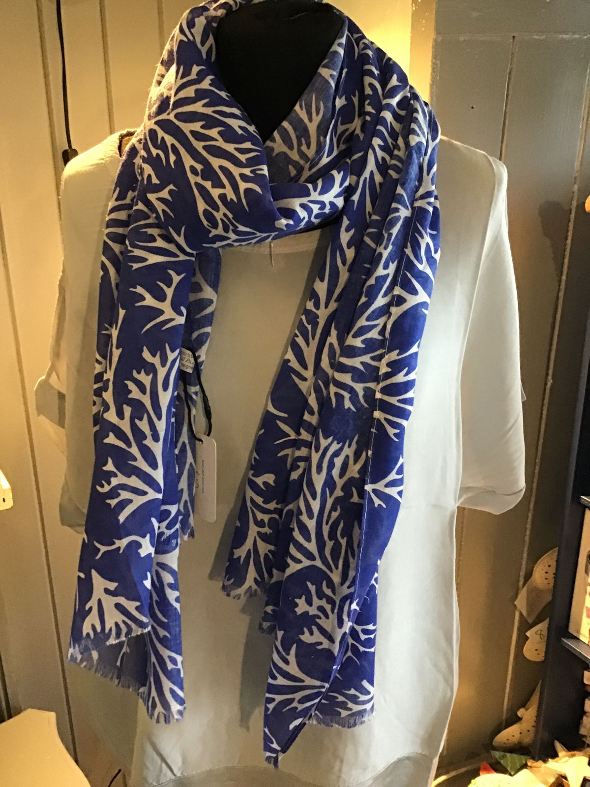 MSH blue and white seaweed effect scarff