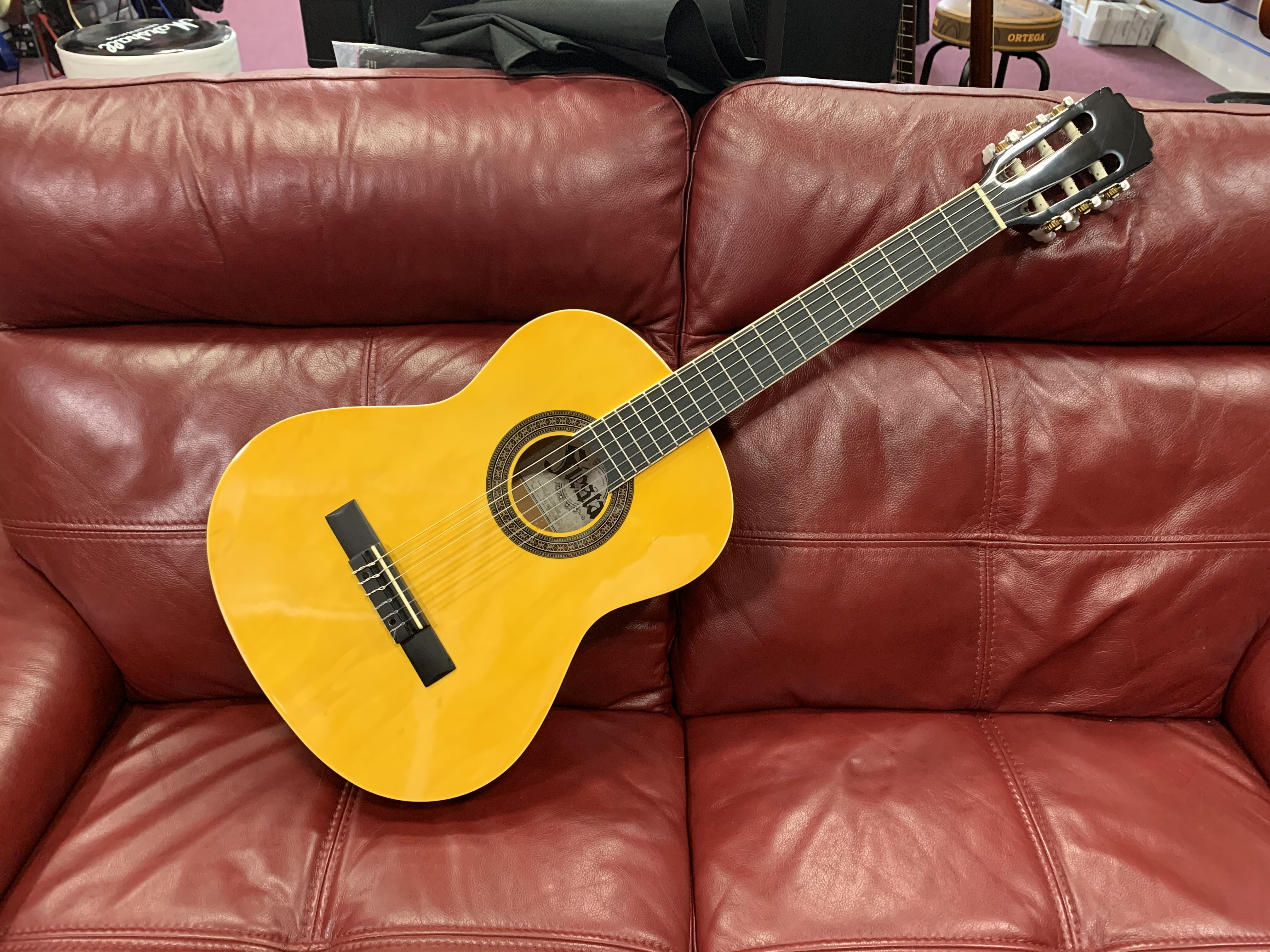 Fiesta FST-200-58 N 3 Quarter Classical (In store or online then pickup only)