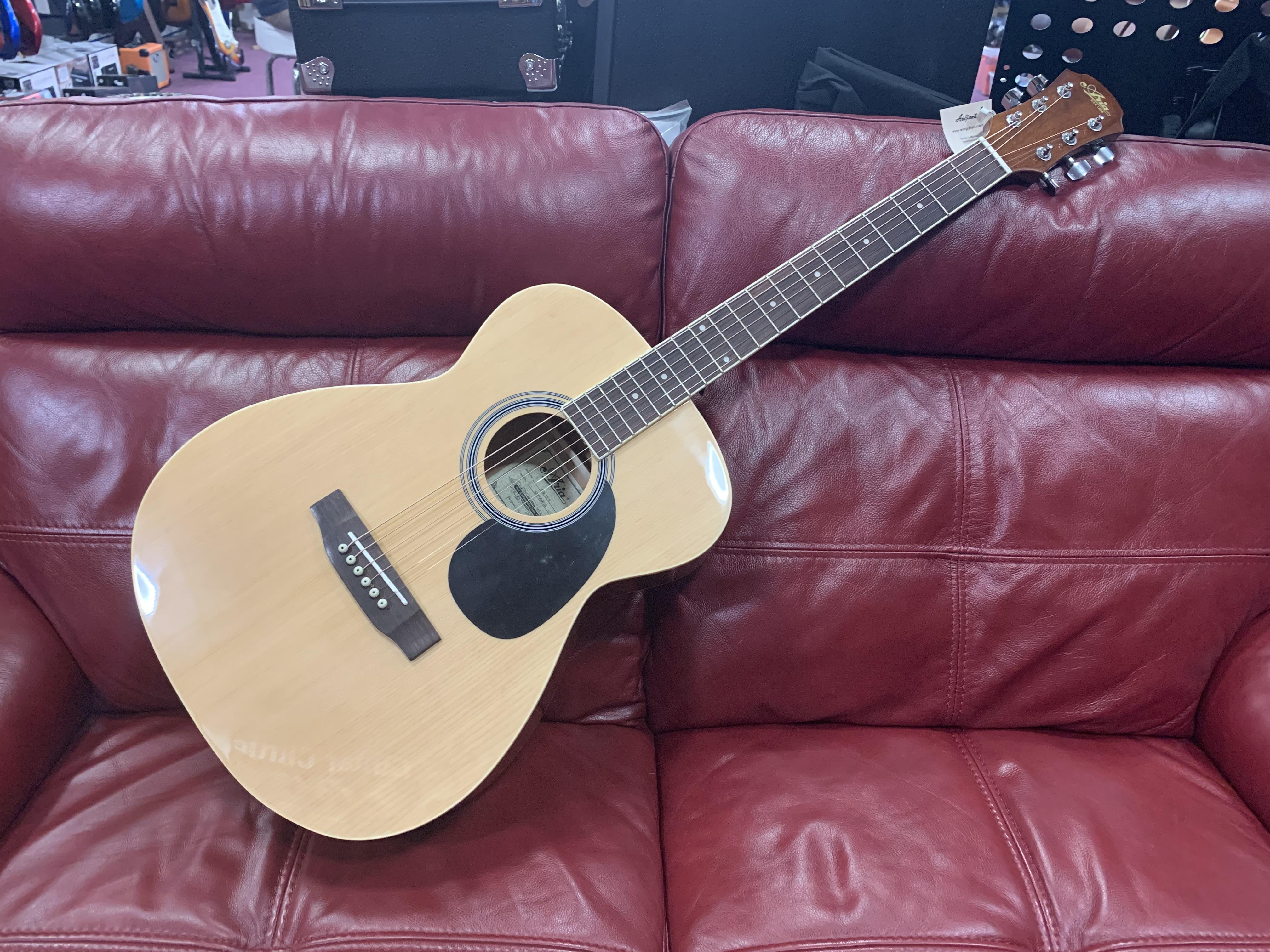 Aria AFN 15 N Acoustic Guitar