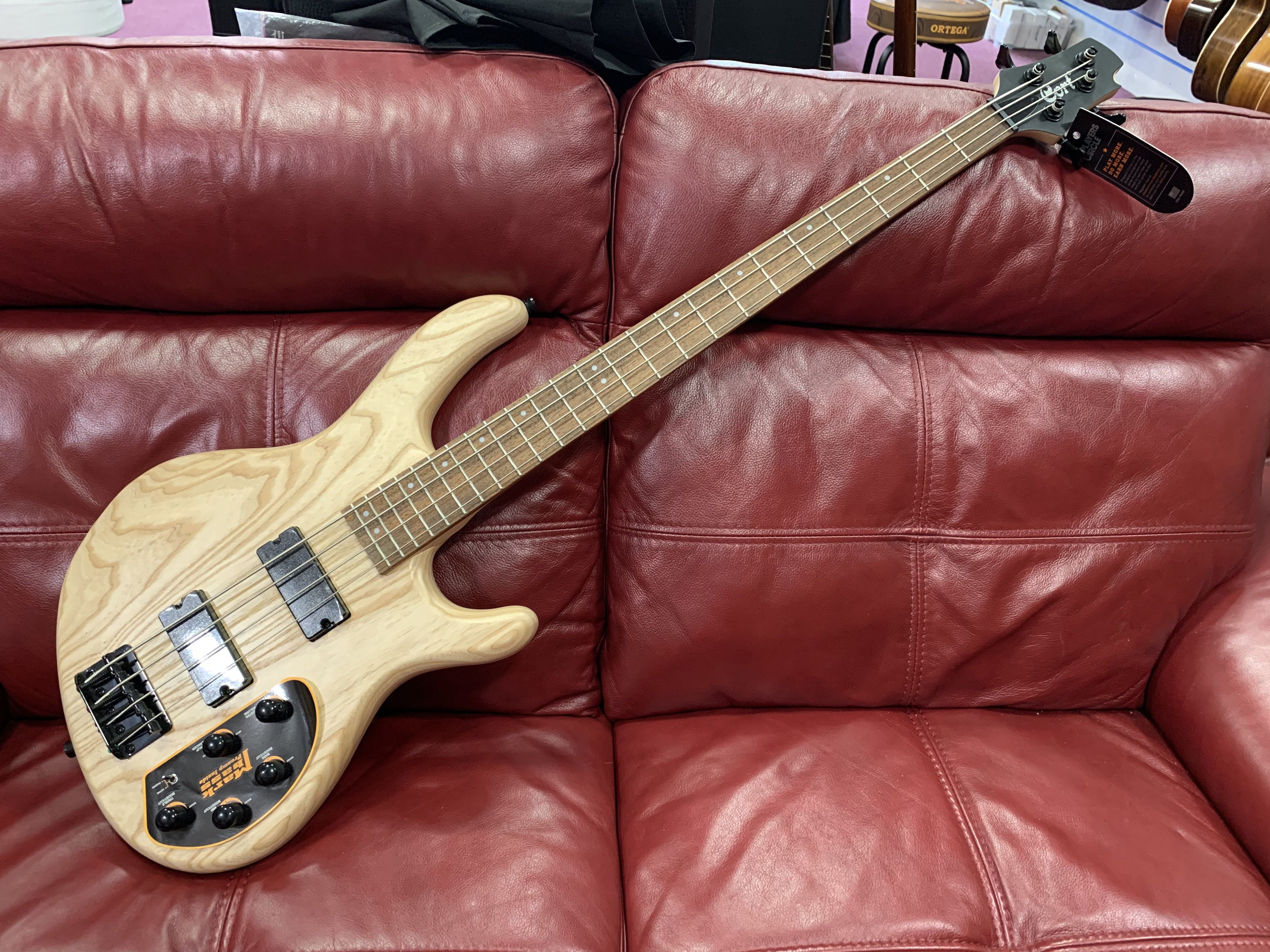Cort  Action Deluxe AS  Bass Guitar