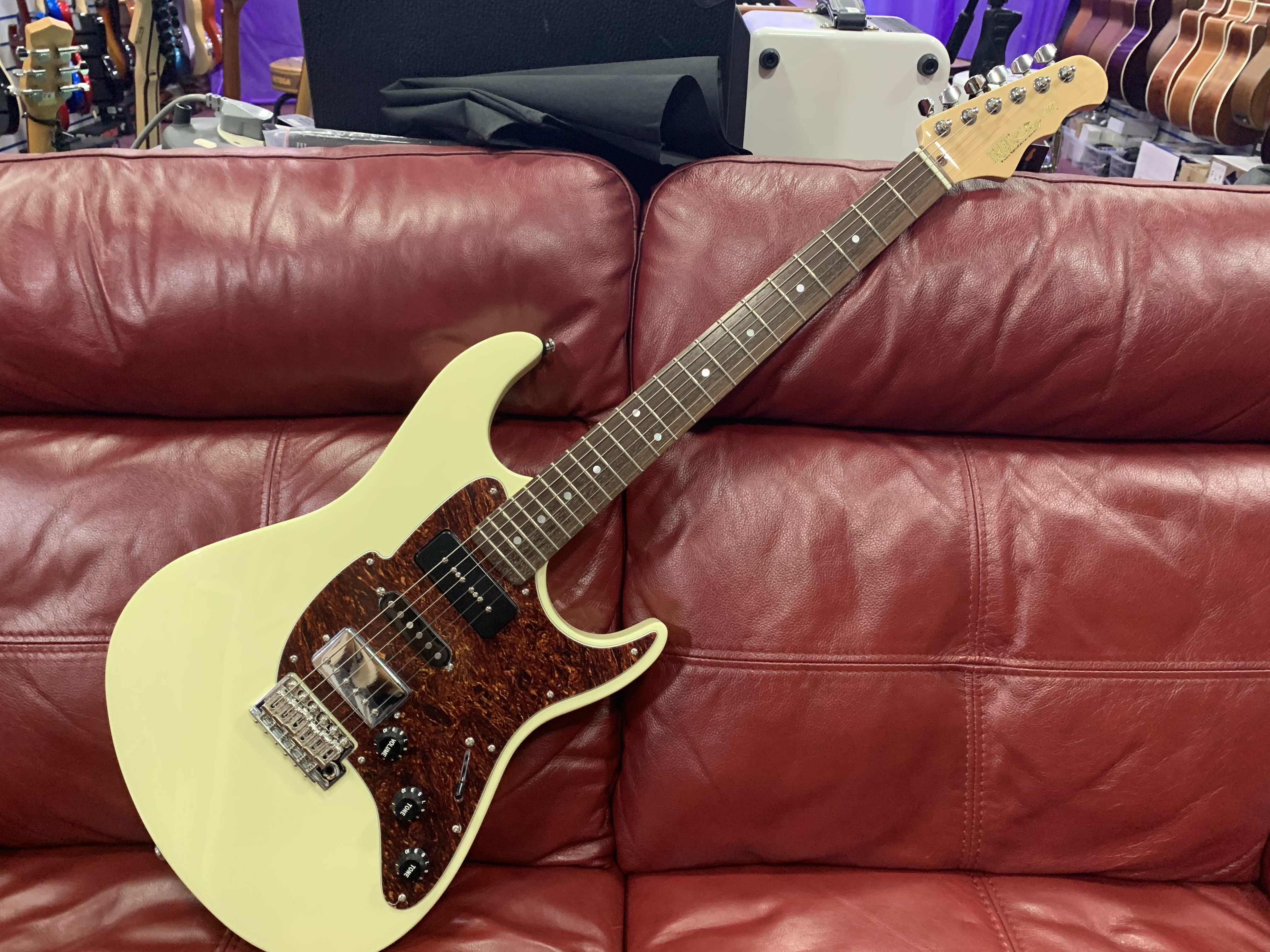 Fret King Geoff Whitehorn Electric Guitar (RRP £899 - Our Price £549)