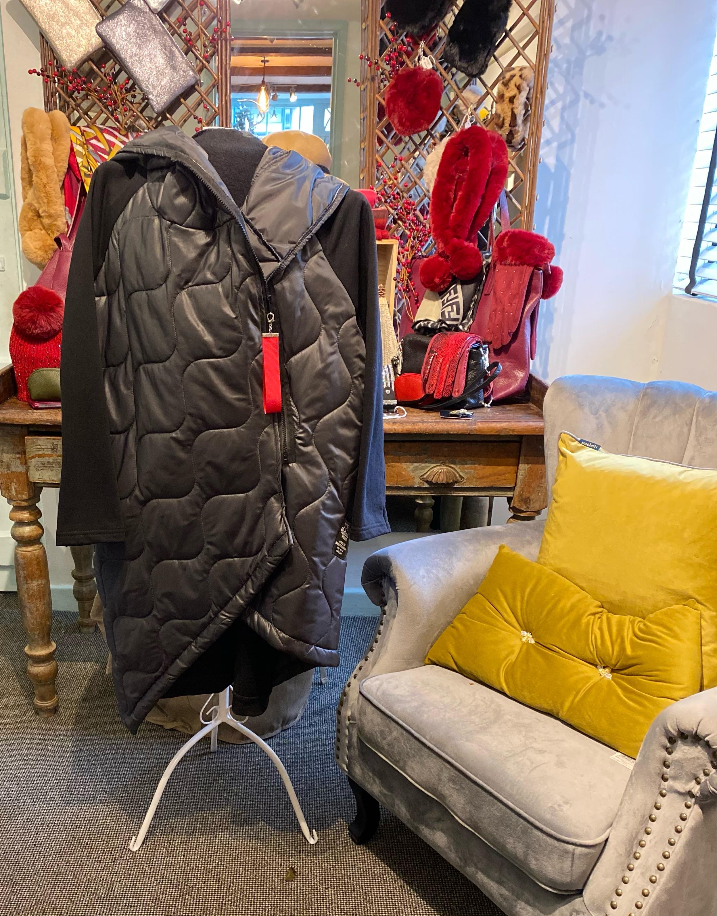 Ladies Coat (Black)